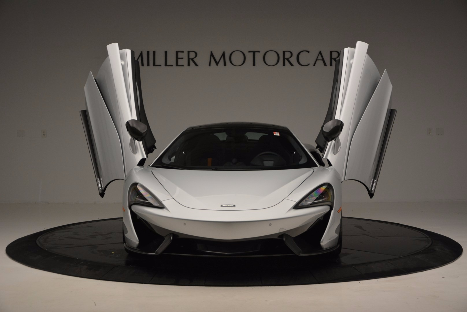 New 2017 McLaren 570GT  For Sale In Westport, CT 882_p14