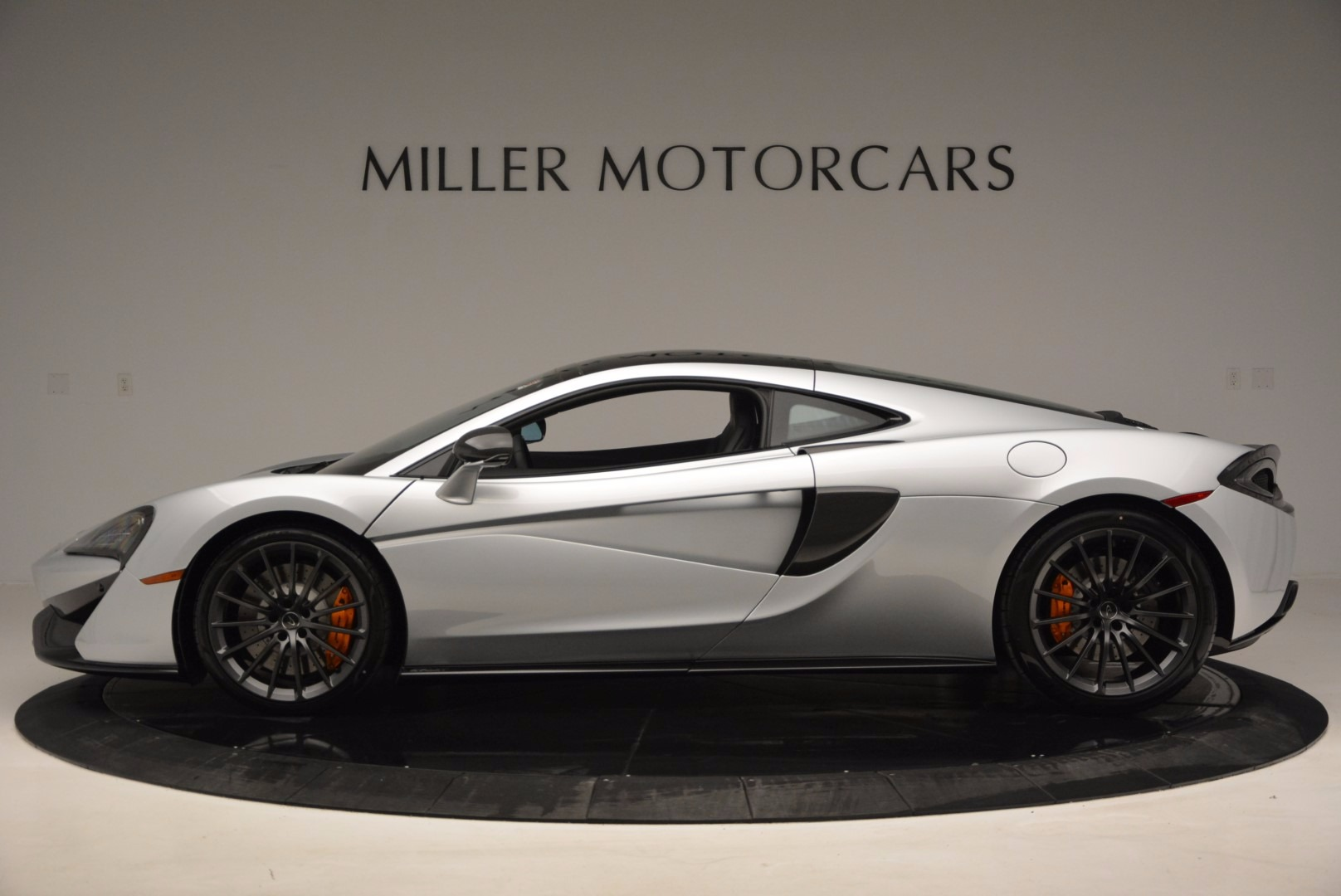 New 2017 McLaren 570GT  For Sale In Westport, CT 882_p3