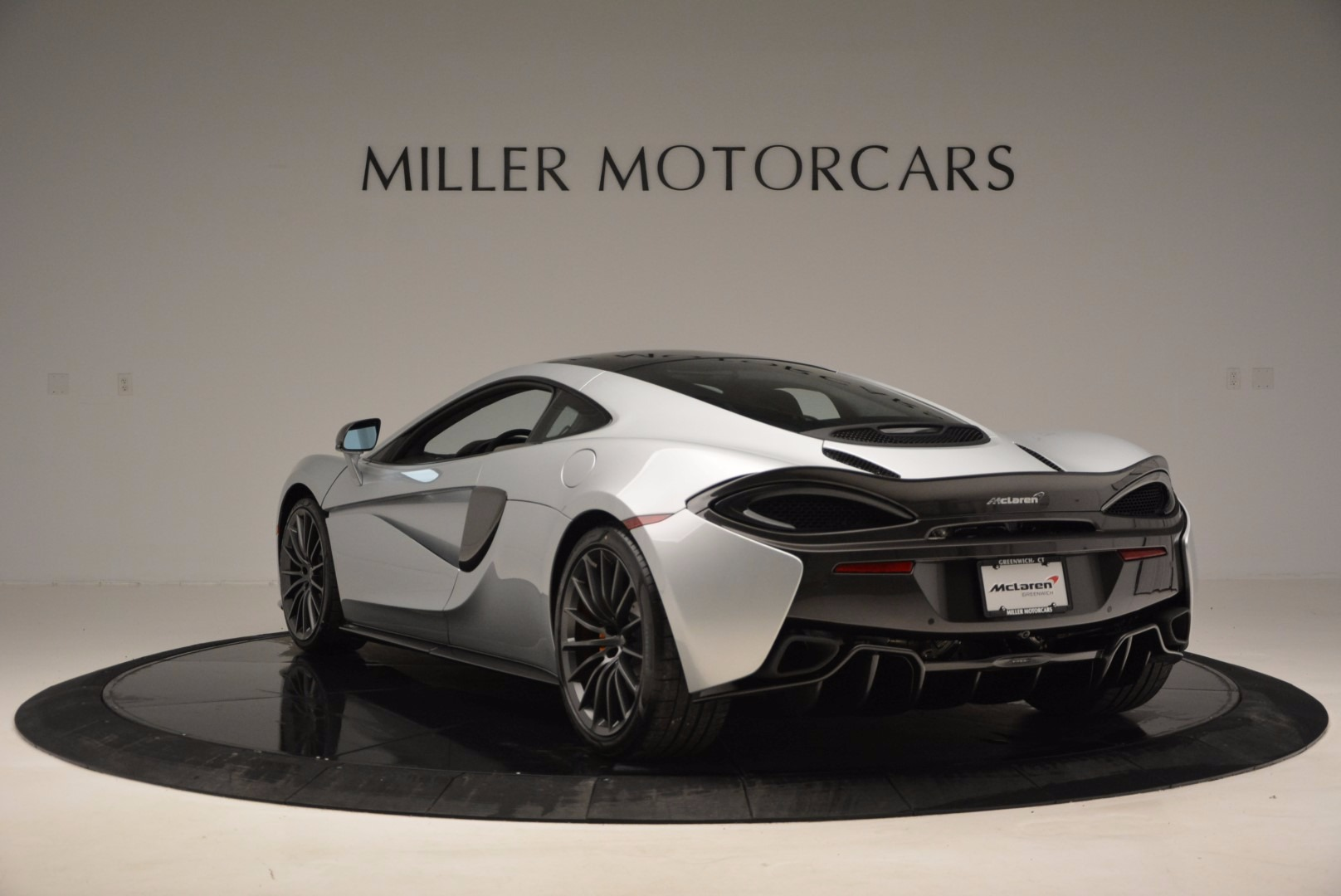 New 2017 McLaren 570GT  For Sale In Westport, CT 882_p5