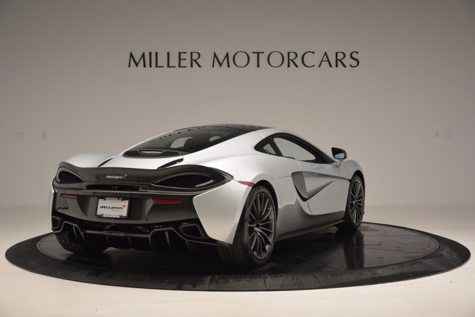 New 2017 McLaren 570GT  For Sale In Westport, CT 882_p7