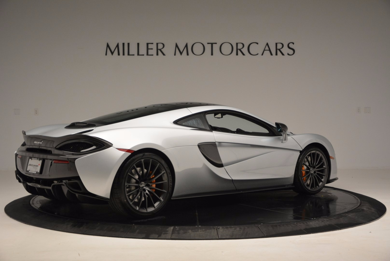 New 2017 McLaren 570GT  For Sale In Westport, CT 882_p8