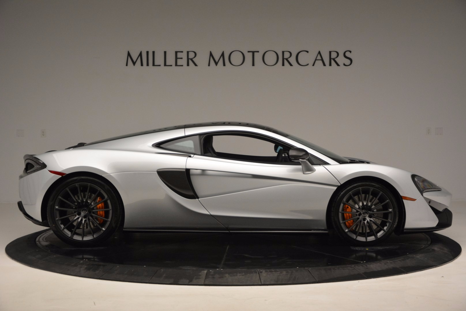 New 2017 McLaren 570GT  For Sale In Westport, CT 882_p9