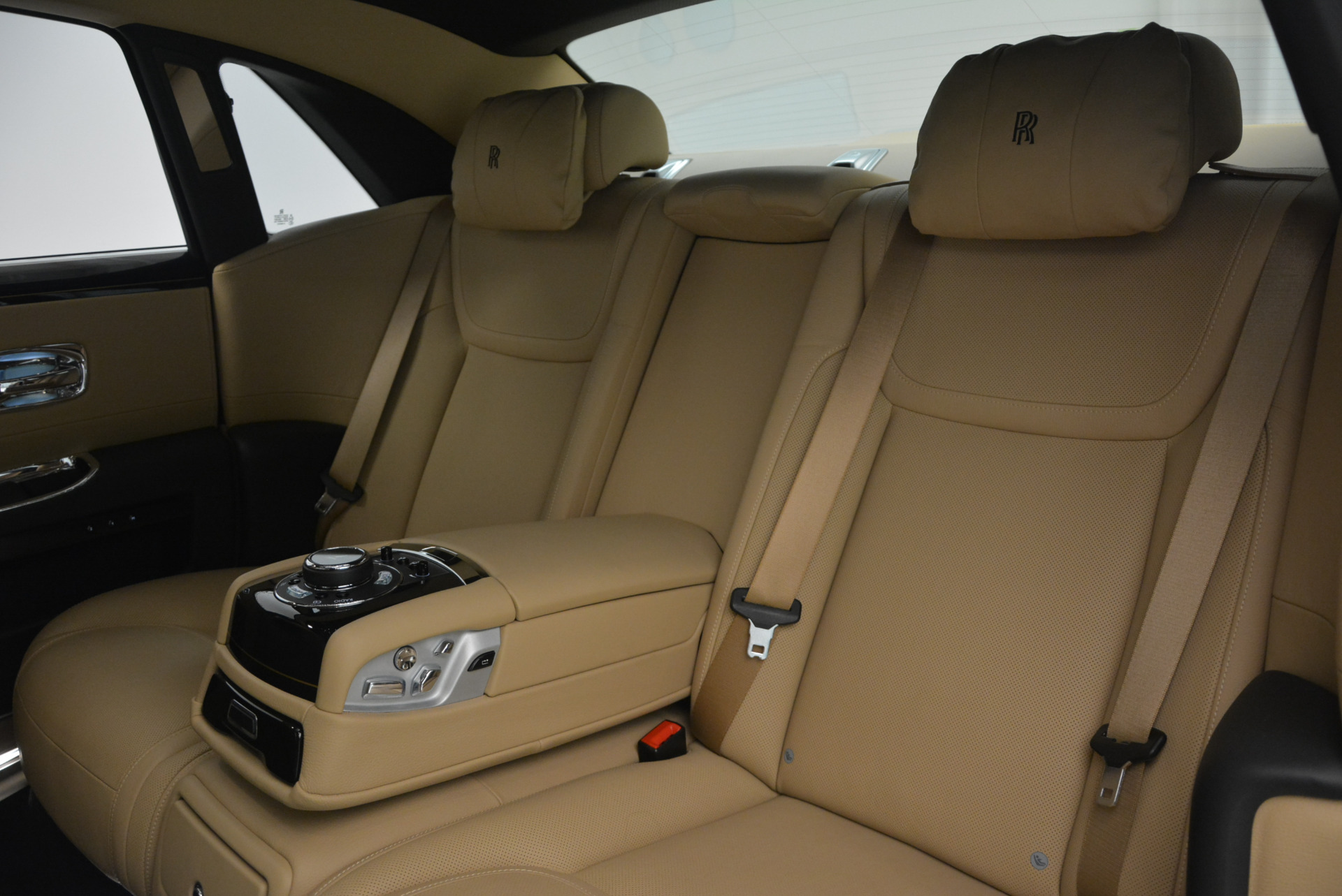 Used 2016 Rolls-Royce Ghost  For Sale In Westport, CT 898_p27