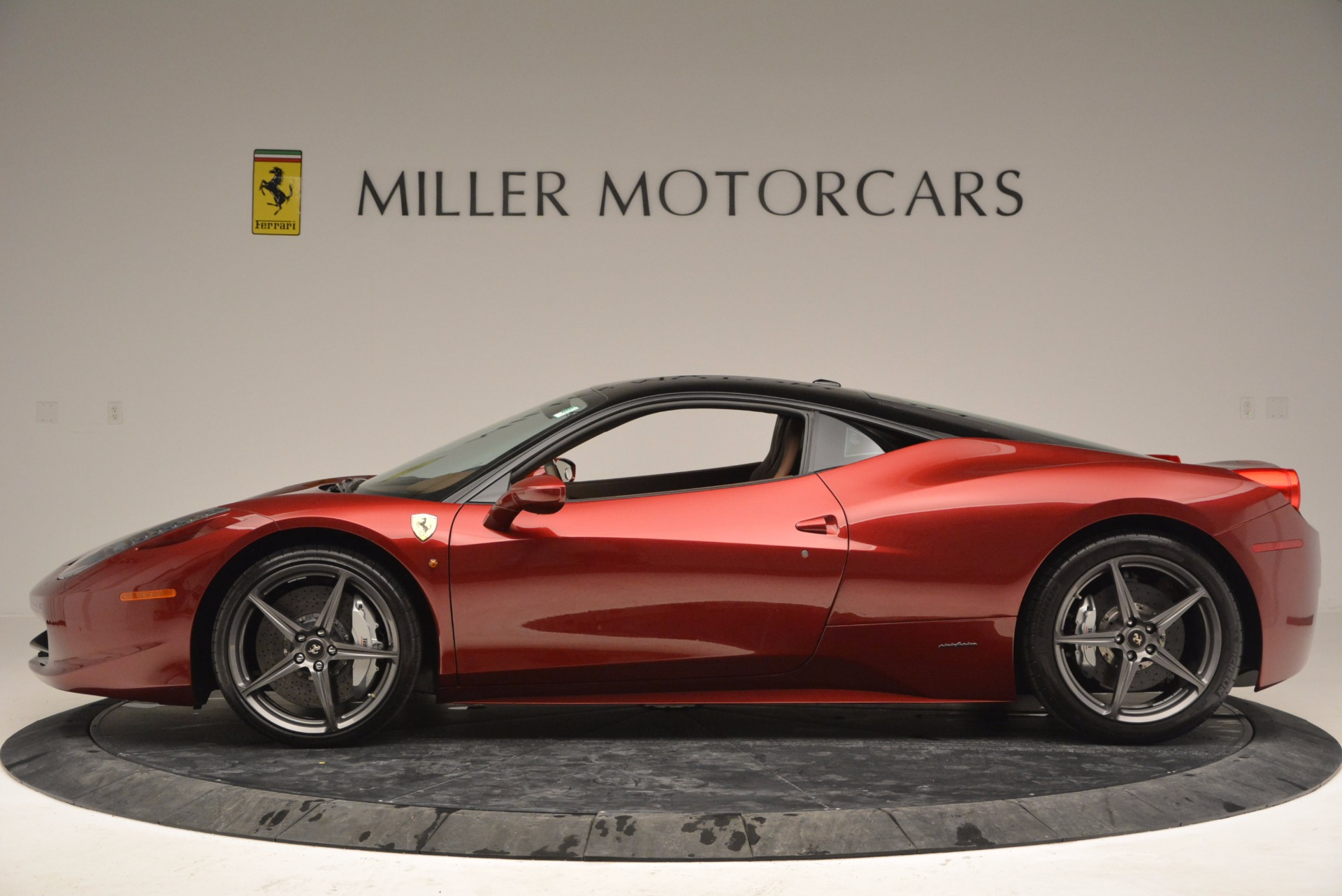 Used 2011 Ferrari 458 Italia  For Sale In Westport, CT 899_p3