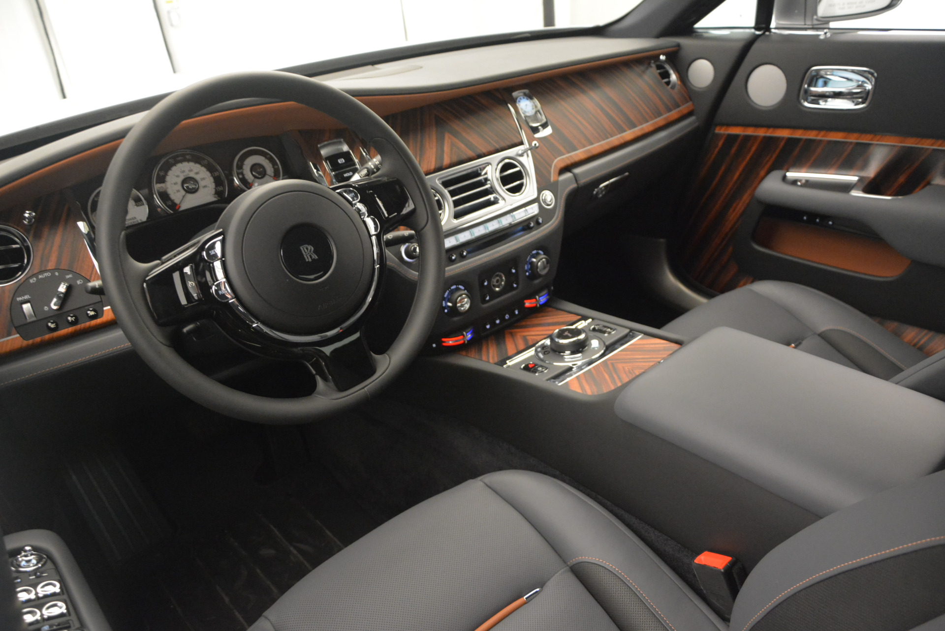 Used 2015 Rolls-Royce Wraith  For Sale In Westport, CT 906_p20