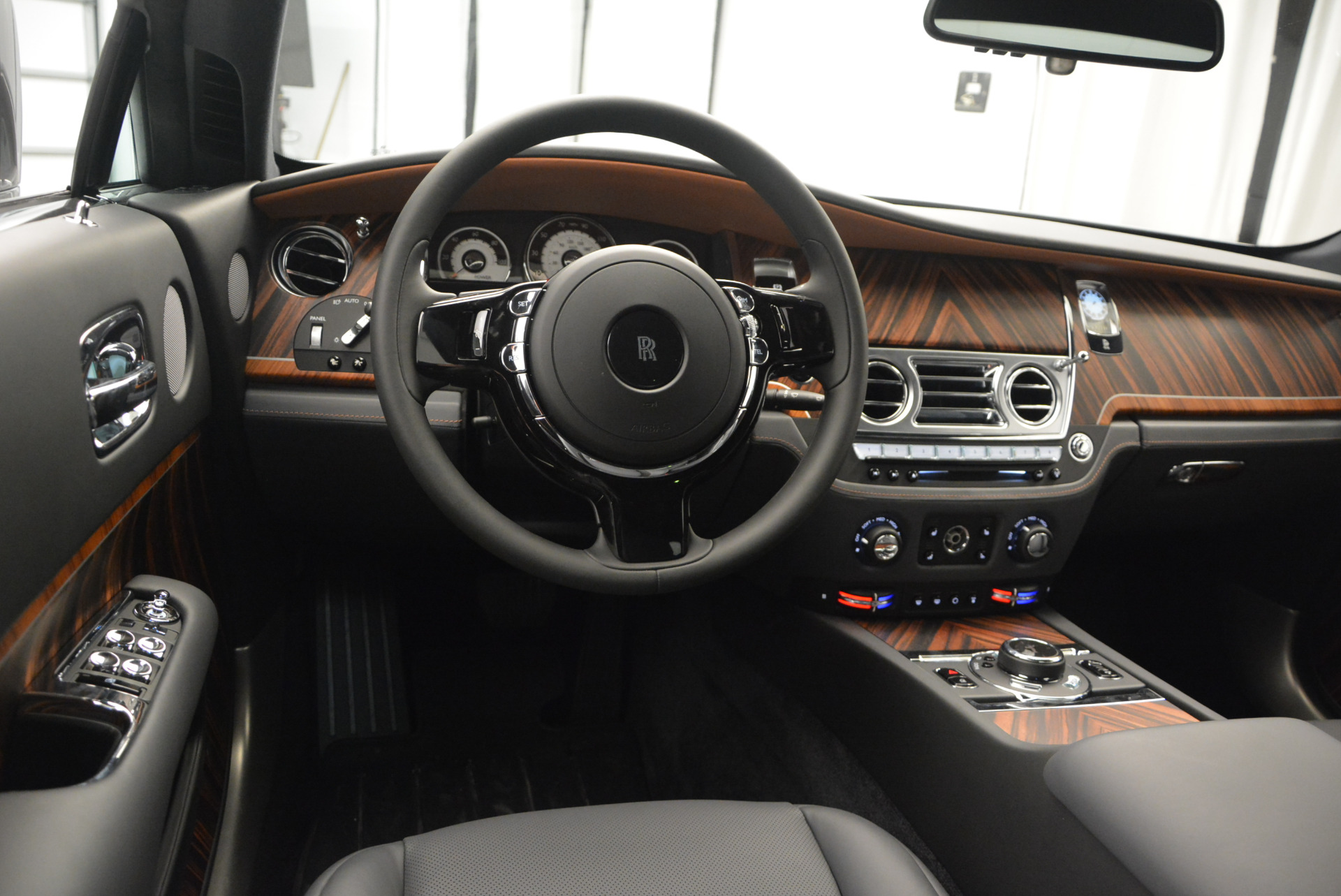 Used 2015 Rolls-Royce Wraith  For Sale In Westport, CT 906_p21