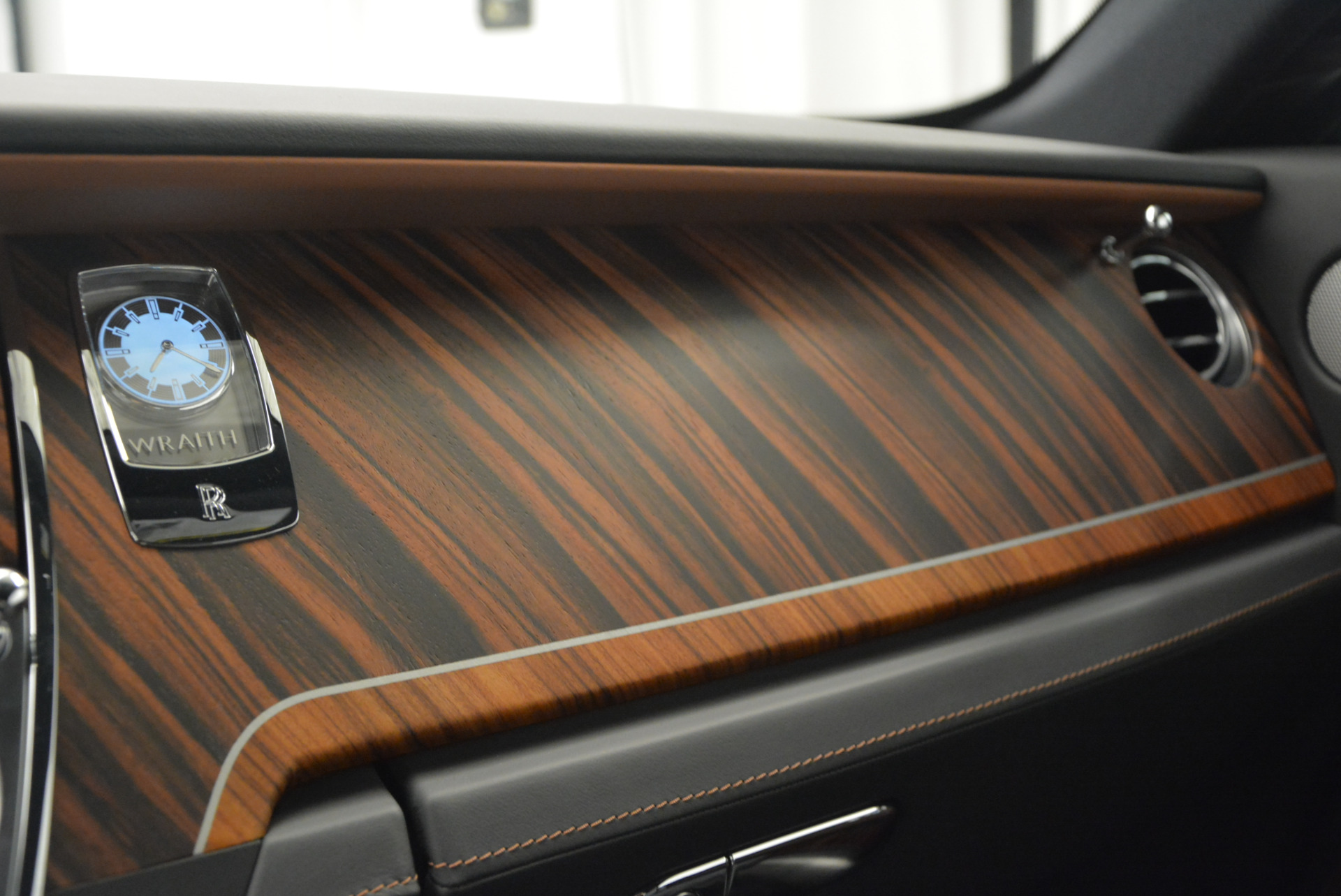 Used 2015 Rolls-Royce Wraith  For Sale In Westport, CT 906_p23