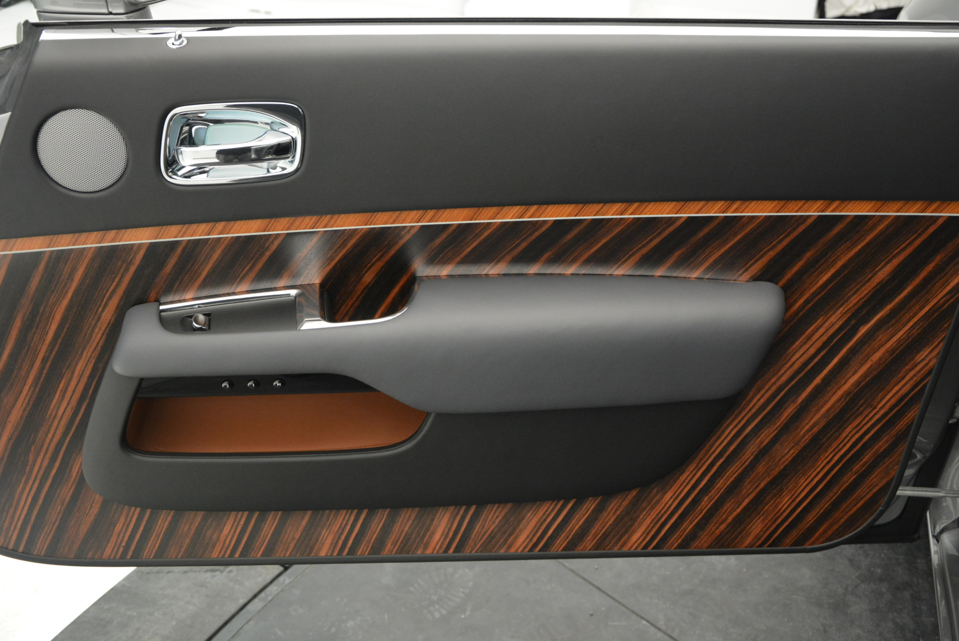 Used 2015 Rolls-Royce Wraith  For Sale In Westport, CT 906_p25