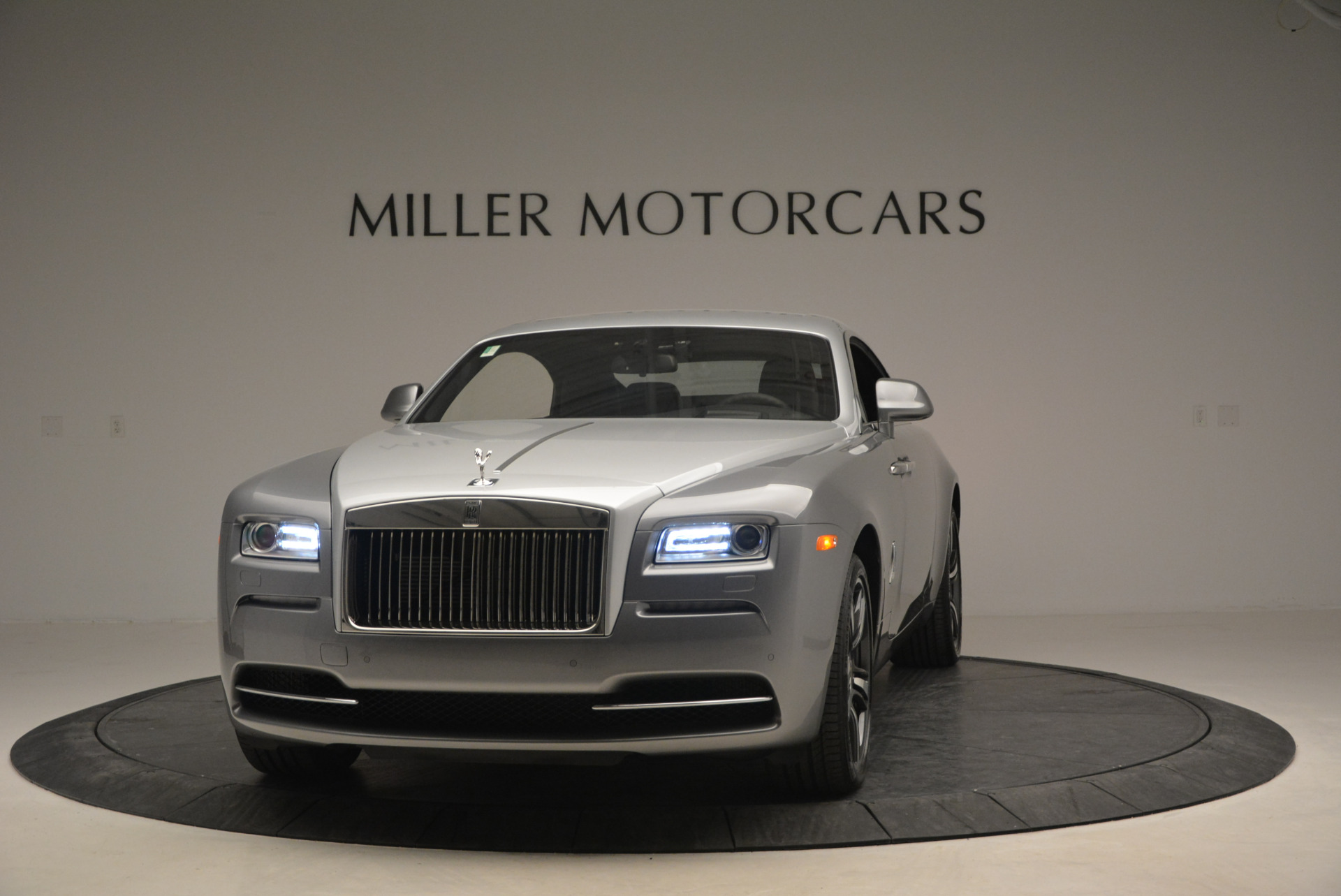 Used 2015 Rolls-Royce Wraith  For Sale In Westport, CT 906_p2