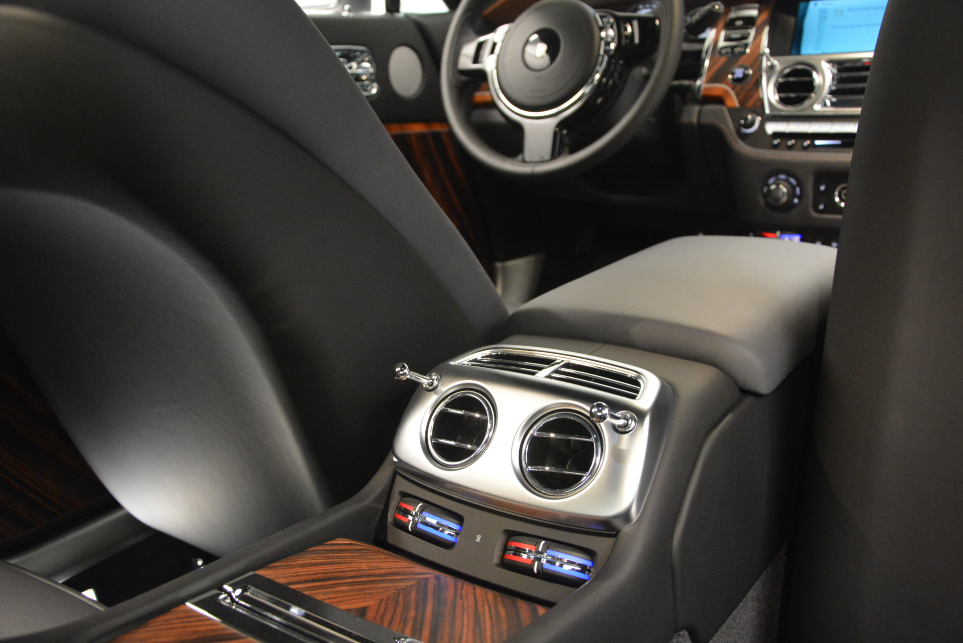 Used 2015 Rolls-Royce Wraith  For Sale In Westport, CT 906_p32