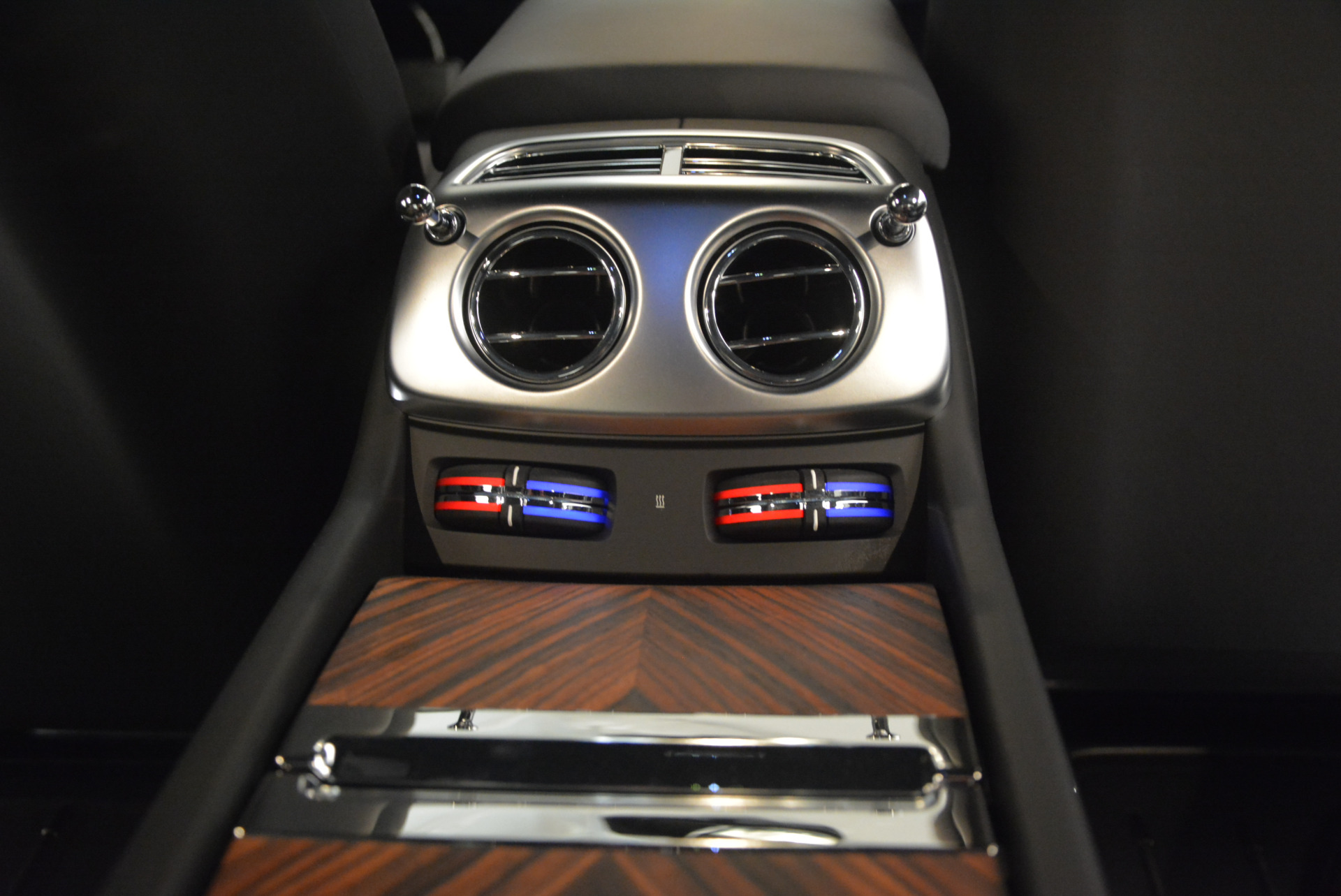Used 2015 Rolls-Royce Wraith  For Sale In Westport, CT 906_p33
