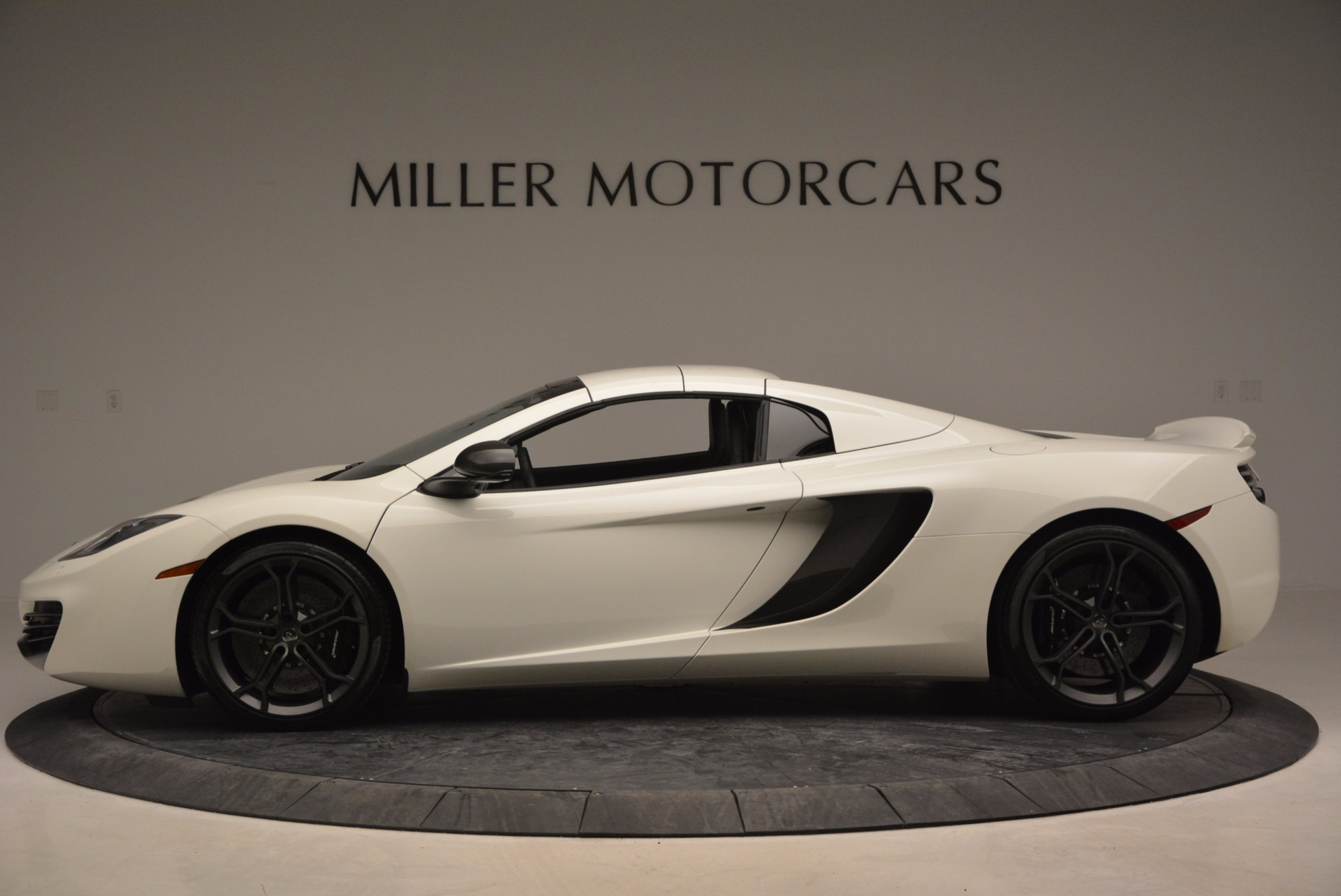 Used 2014 McLaren MP4-12C Spider For Sale In Westport, CT 908_p15