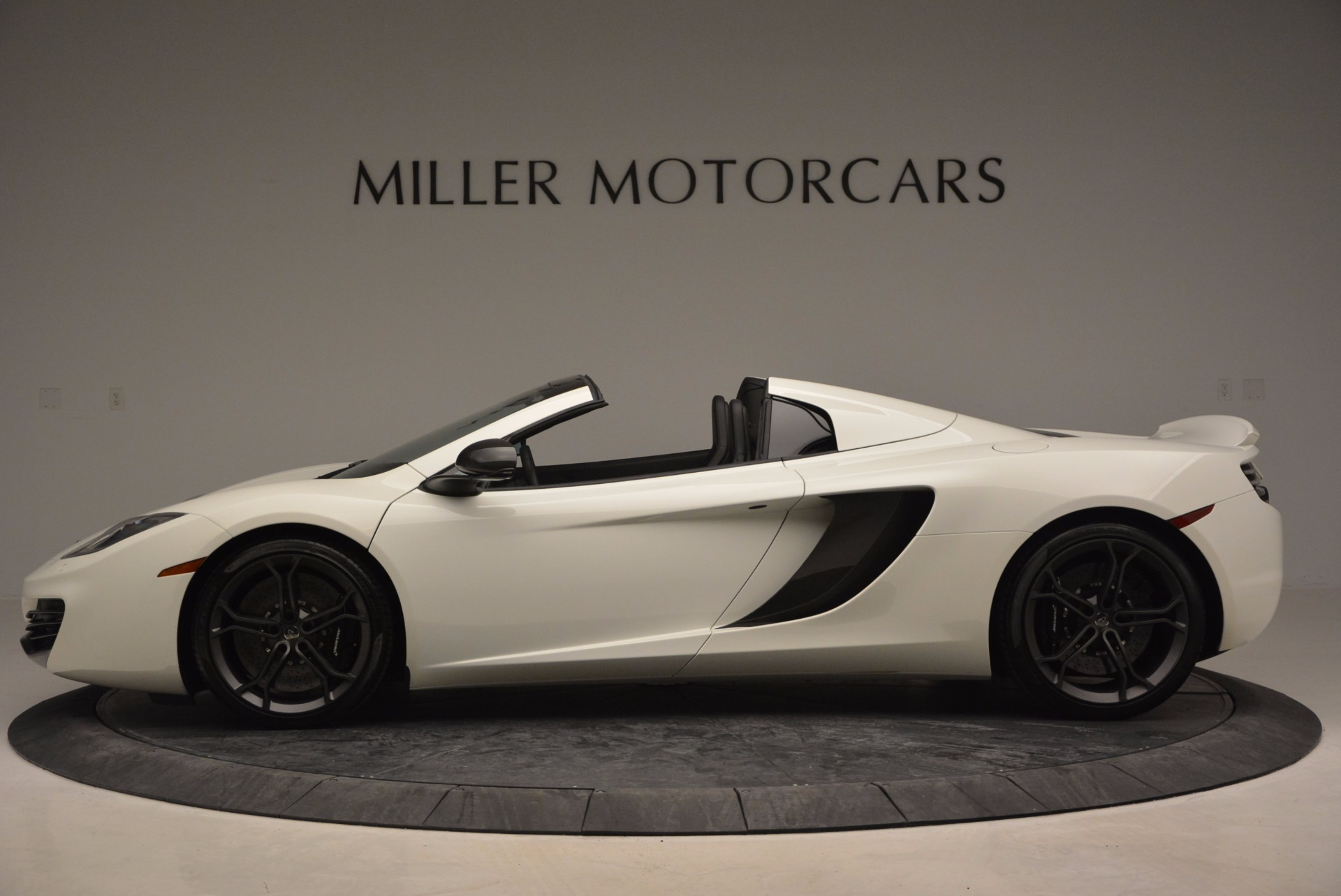 Used 2014 McLaren MP4-12C Spider For Sale In Westport, CT 908_p3