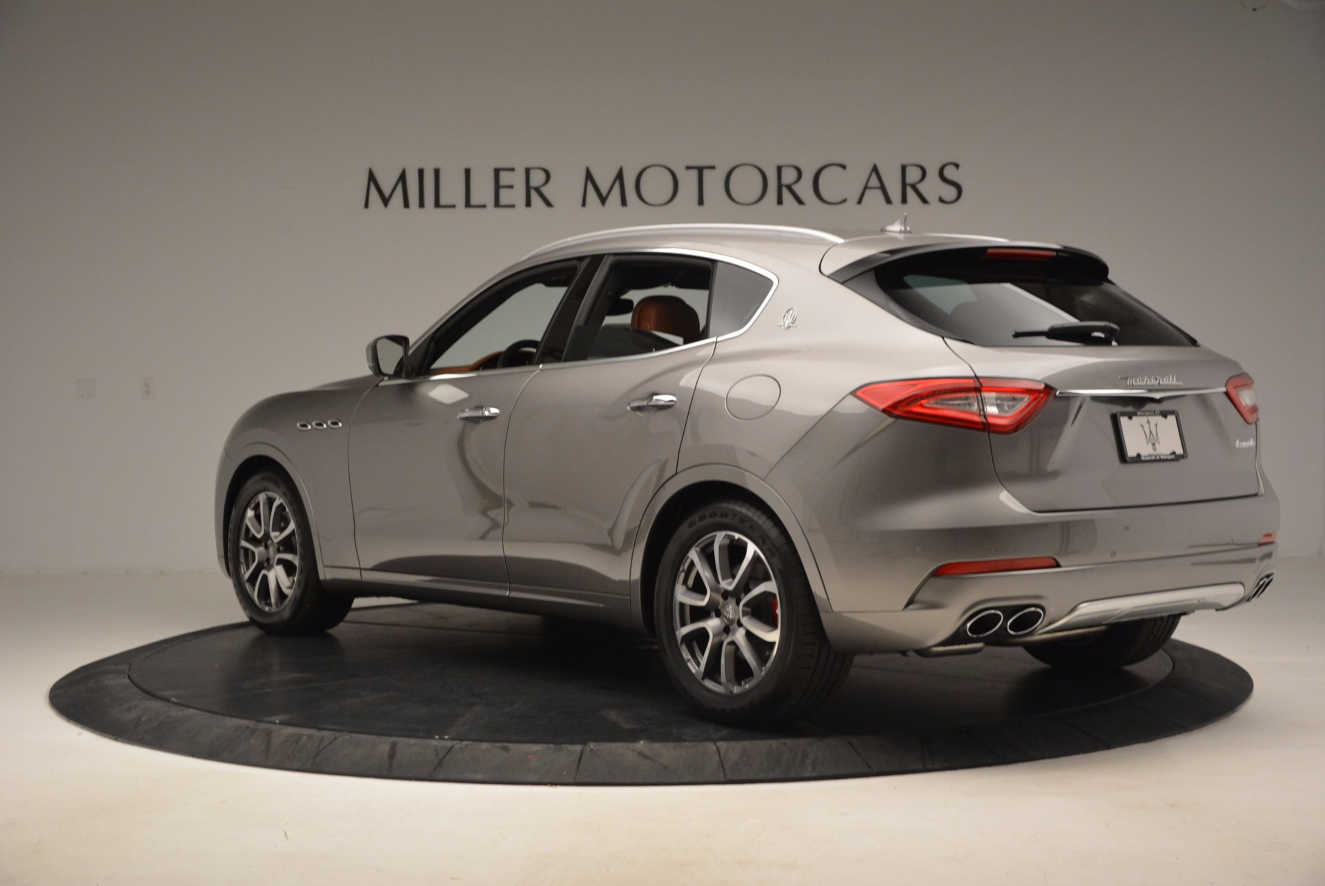 New 2017 Maserati Levante  For Sale In Westport, CT 924_p5