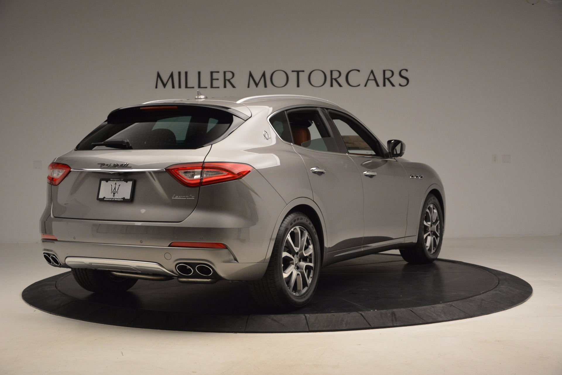 New 2017 Maserati Levante  For Sale In Westport, CT 924_p7