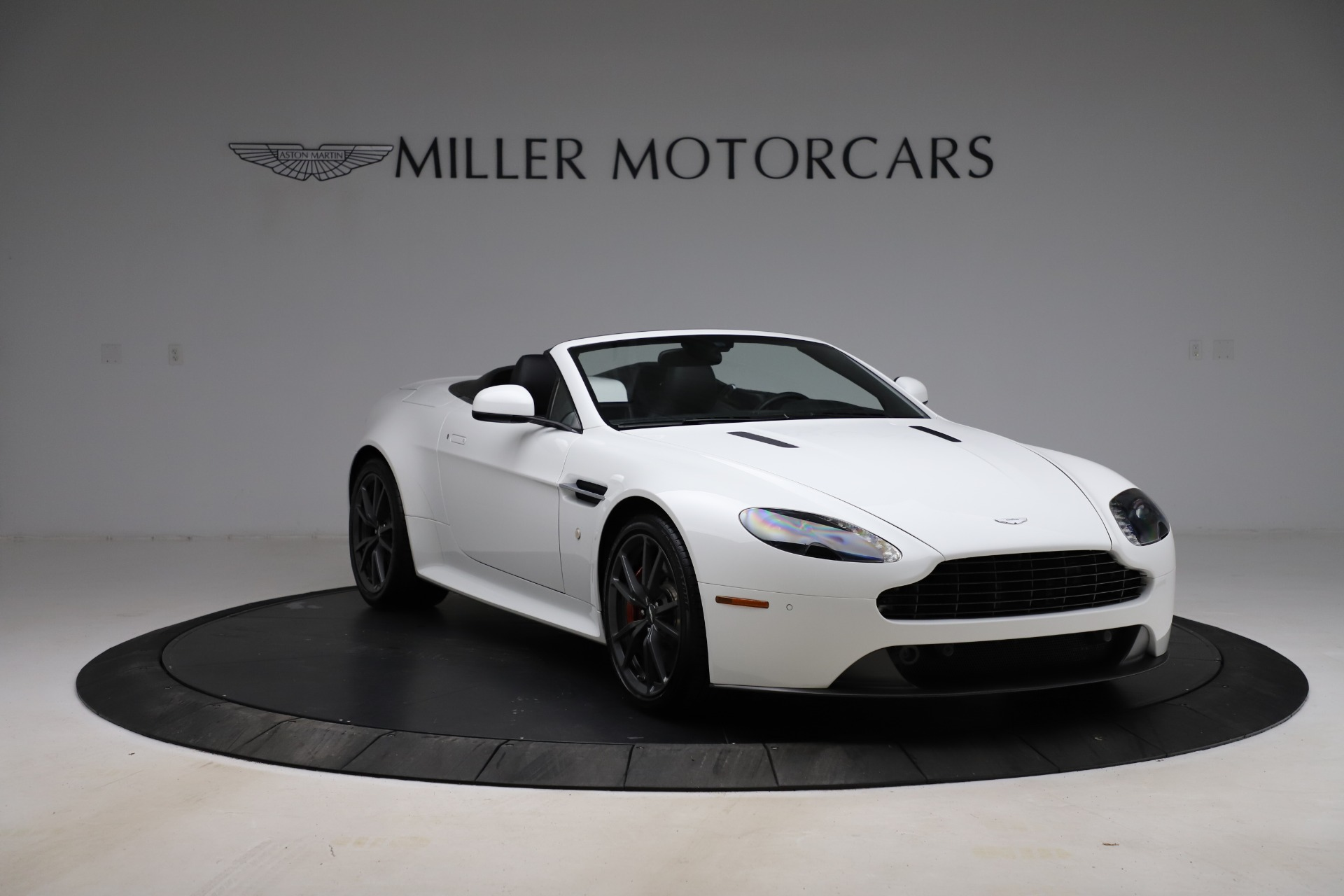 New 2015 Aston Martin Vantage GT GT Roadster For Sale In Westport, CT 93_p10