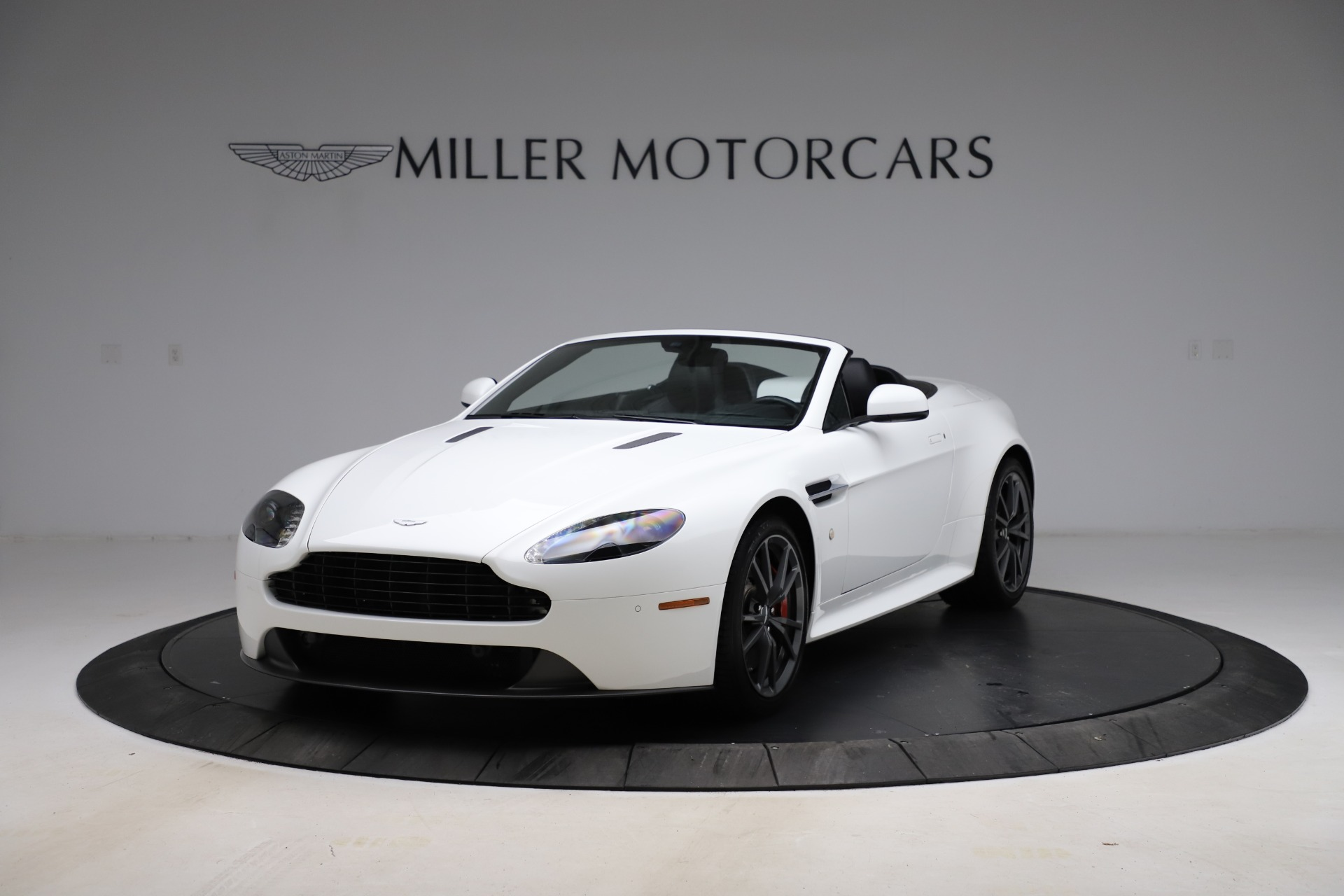 New 2015 Aston Martin Vantage GT GT Roadster For Sale In Westport, CT 93_p12