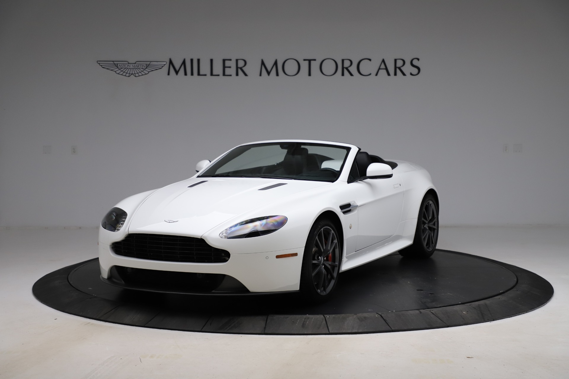 New 2015 Aston Martin Vantage GT GT Roadster For Sale In Westport, CT 93_p13