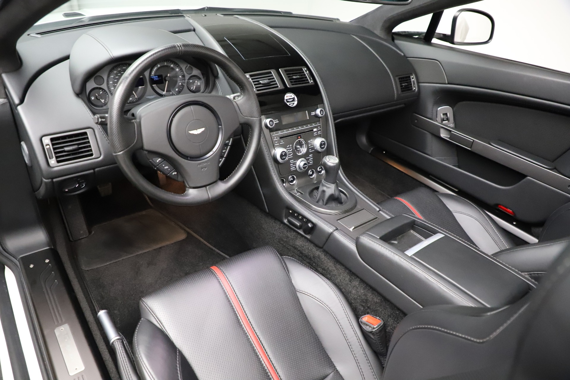 New 2015 Aston Martin Vantage GT GT Roadster For Sale In Westport, CT 93_p14