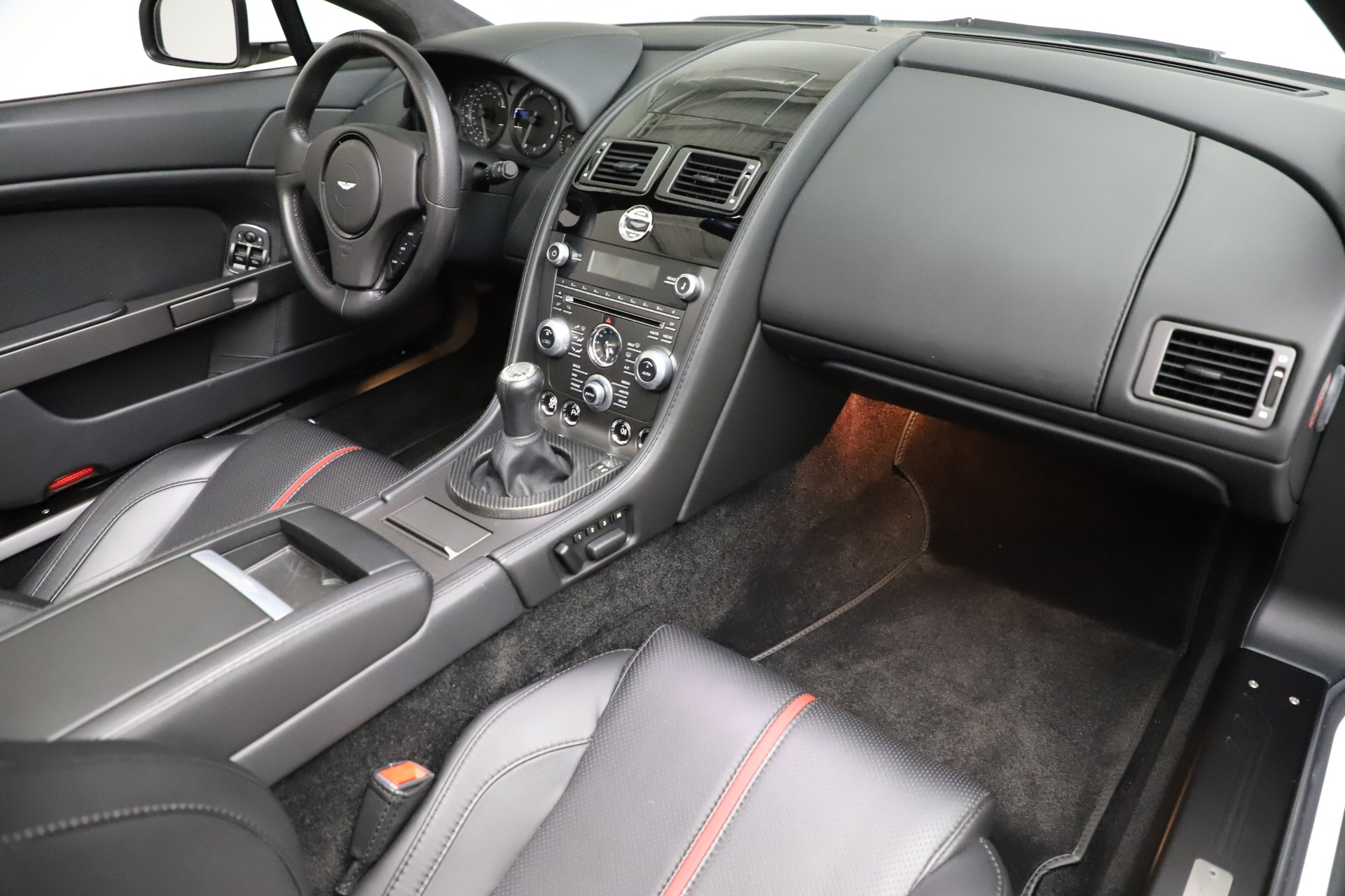 New 2015 Aston Martin Vantage GT GT Roadster For Sale In Westport, CT 93_p22