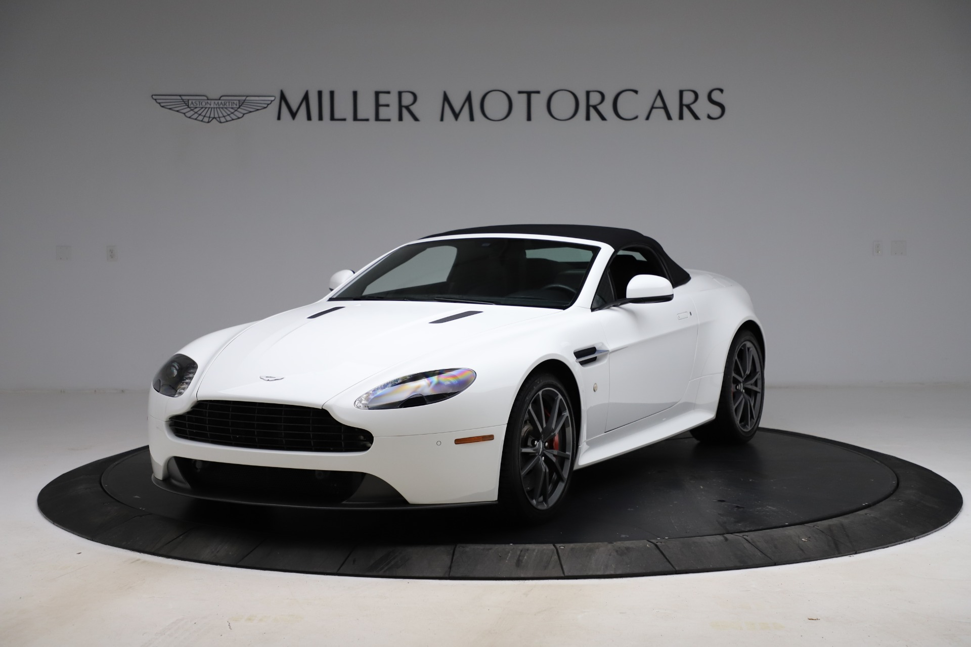 New 2015 Aston Martin Vantage GT GT Roadster For Sale In Westport, CT 93_p25