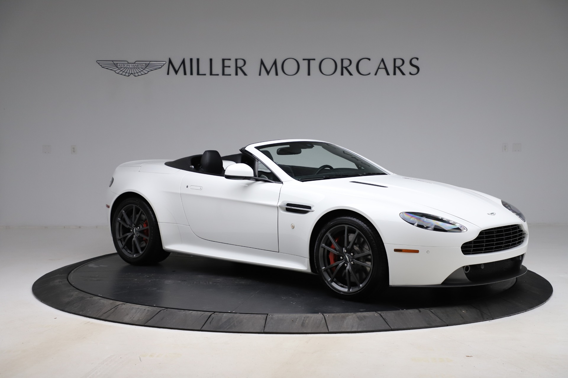New 2015 Aston Martin Vantage GT GT Roadster For Sale In Westport, CT 93_p9