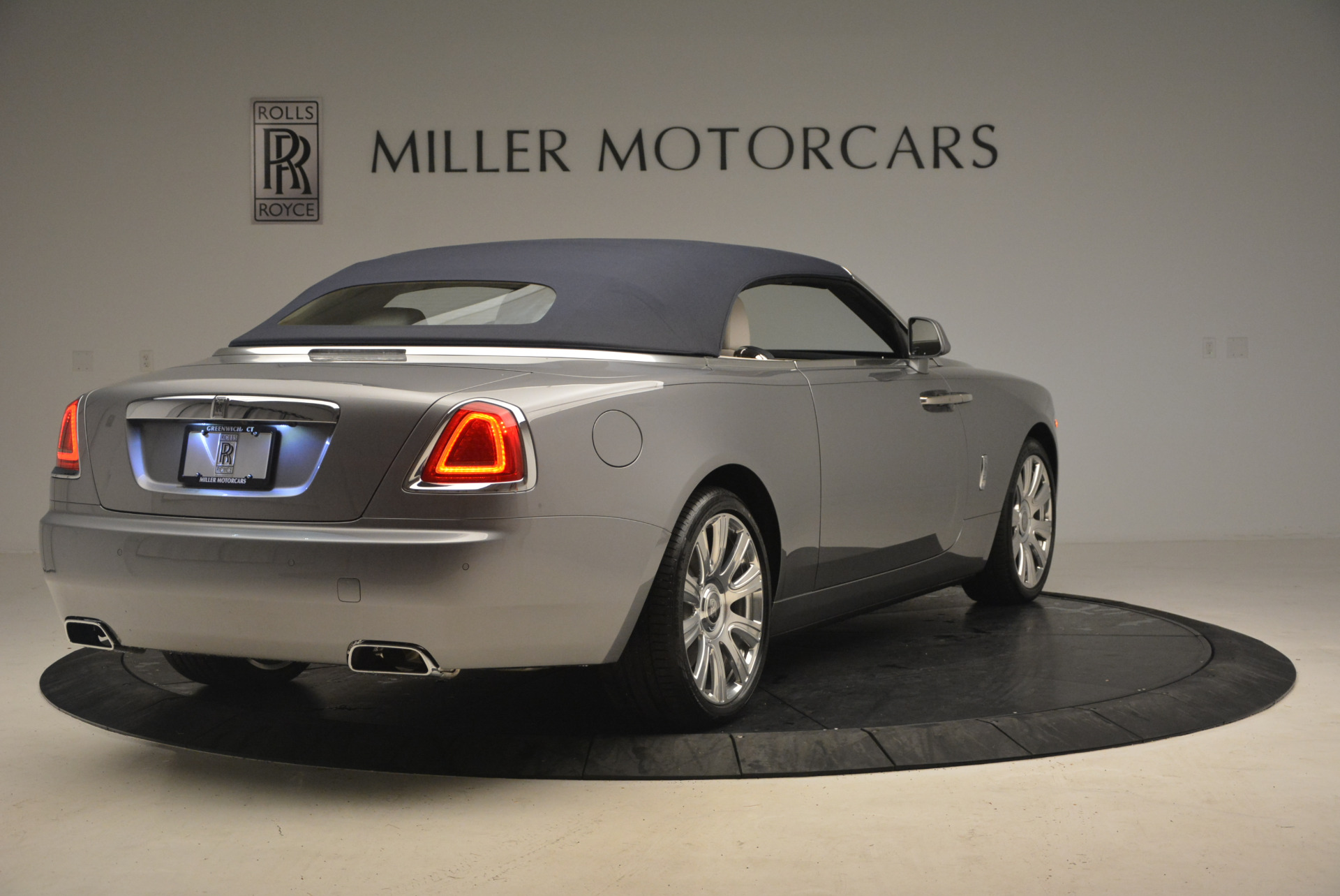 Used 2017 Rolls-Royce Dawn  For Sale In Westport, CT 940_p19