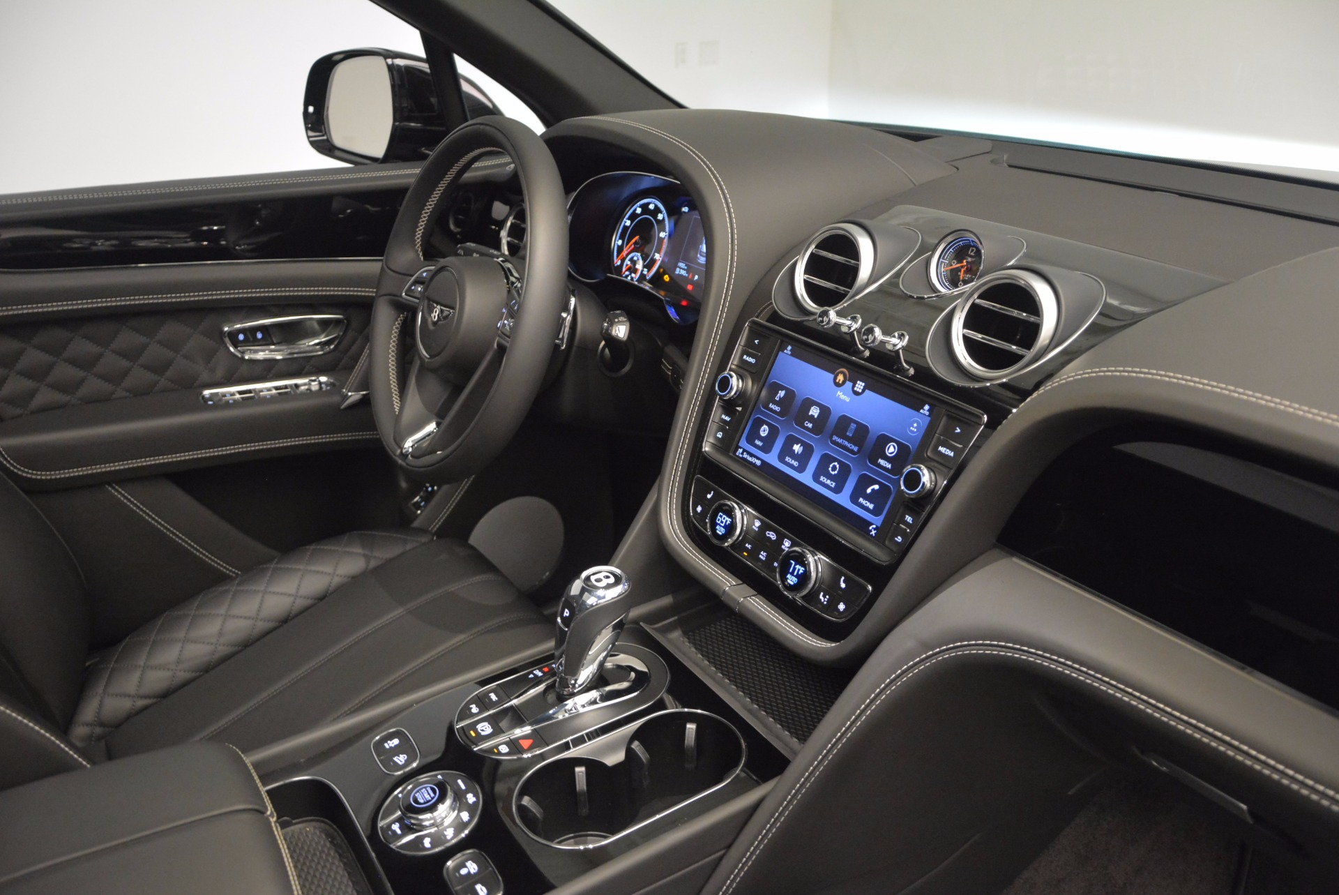 New 2017 Bentley Bentayga  For Sale In Westport, CT 941_p40