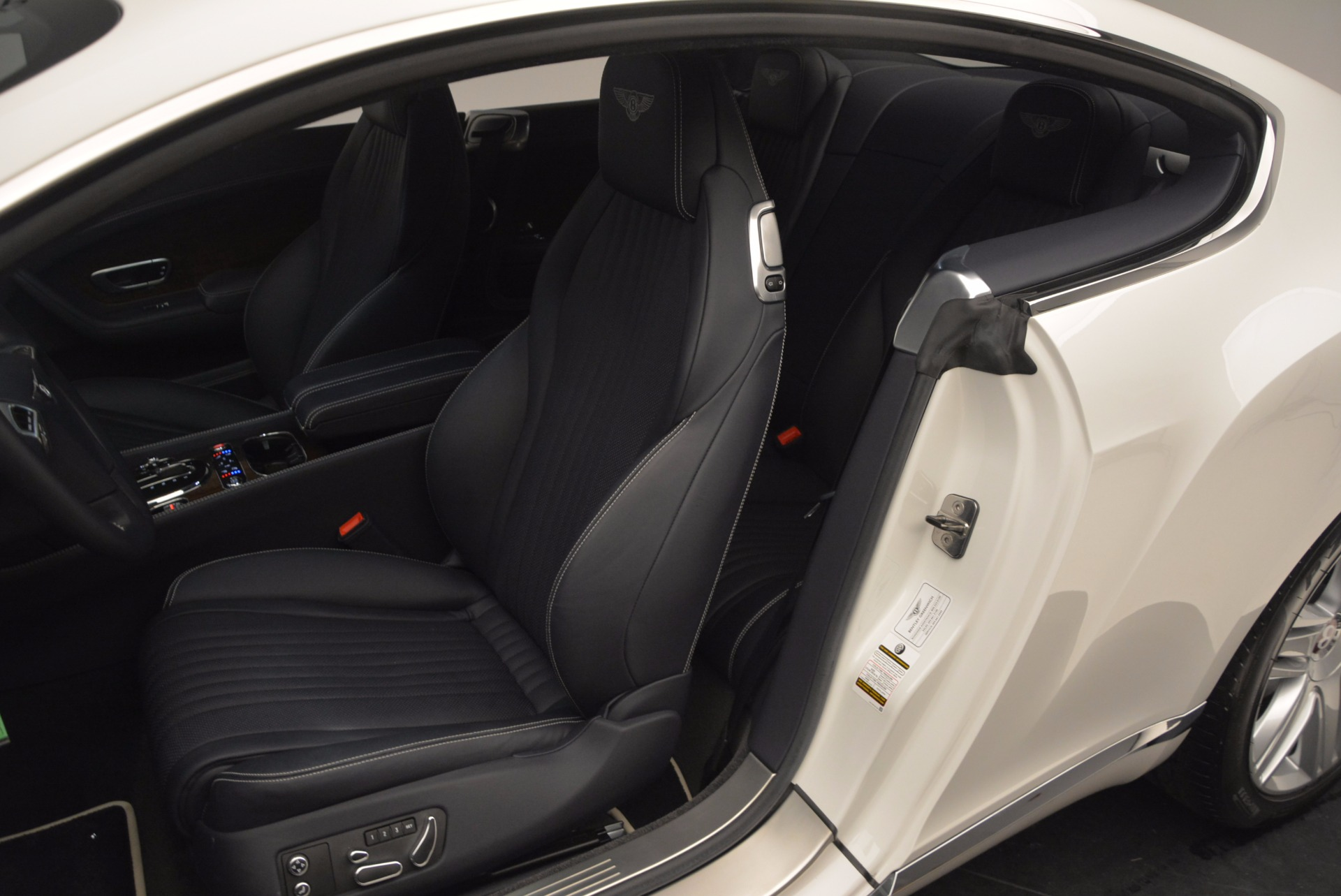 Used 2016 Bentley Continental GT V8 For Sale In Westport, CT 946_p23