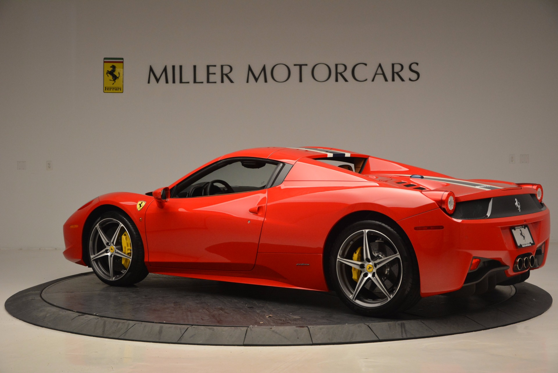 Used 2014 Ferrari 458 Spider  For Sale In Westport, CT 952_p16