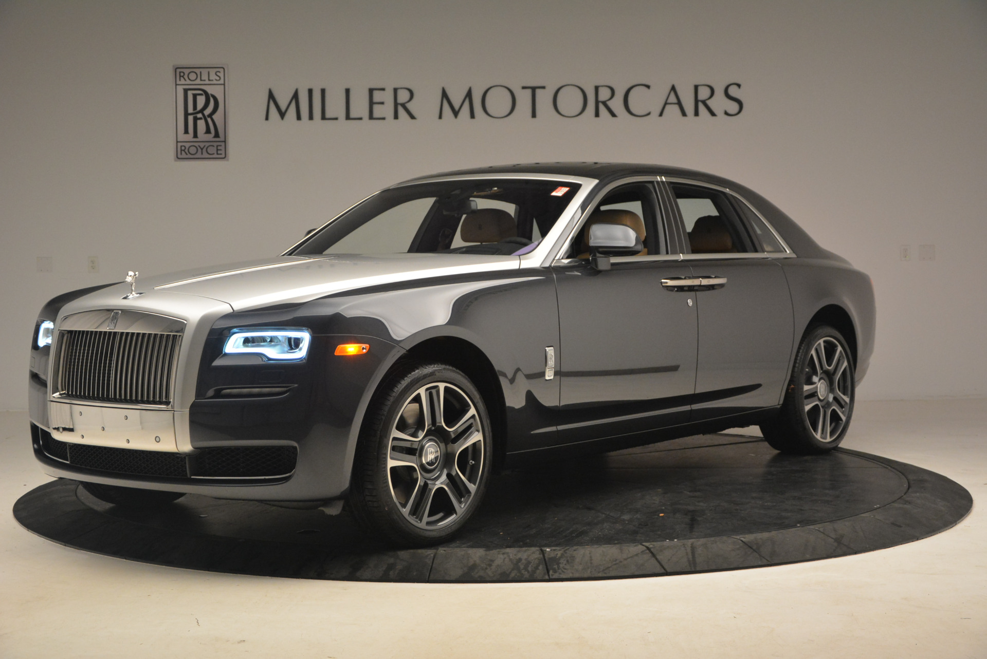 Used 2017 Rolls-Royce Ghost  For Sale In Westport, CT 954_p2