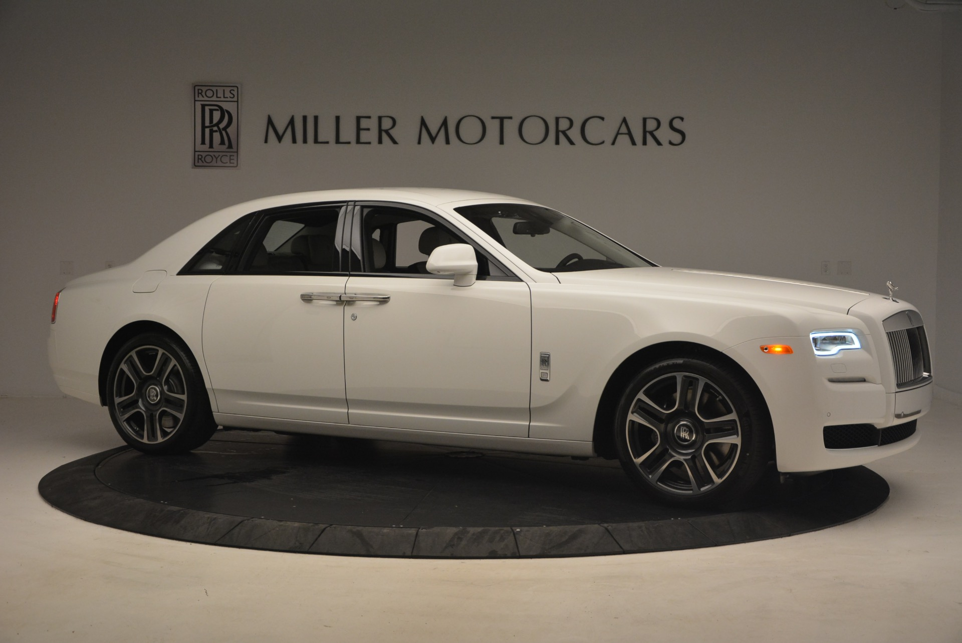 Used 2017 Rolls-Royce Ghost  For Sale In Westport, CT 971_p10