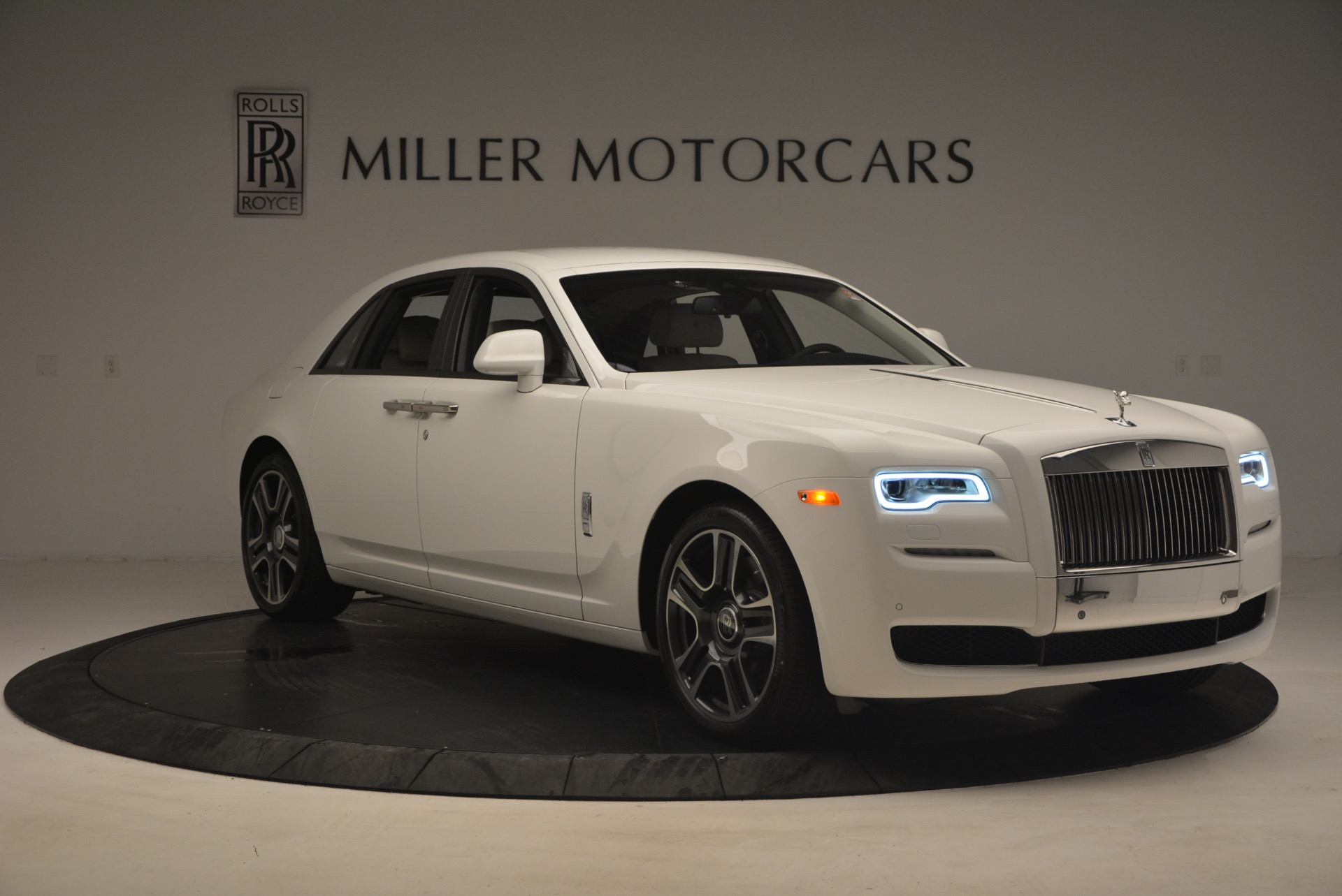 Used 2017 Rolls-Royce Ghost  For Sale In Westport, CT 971_p11