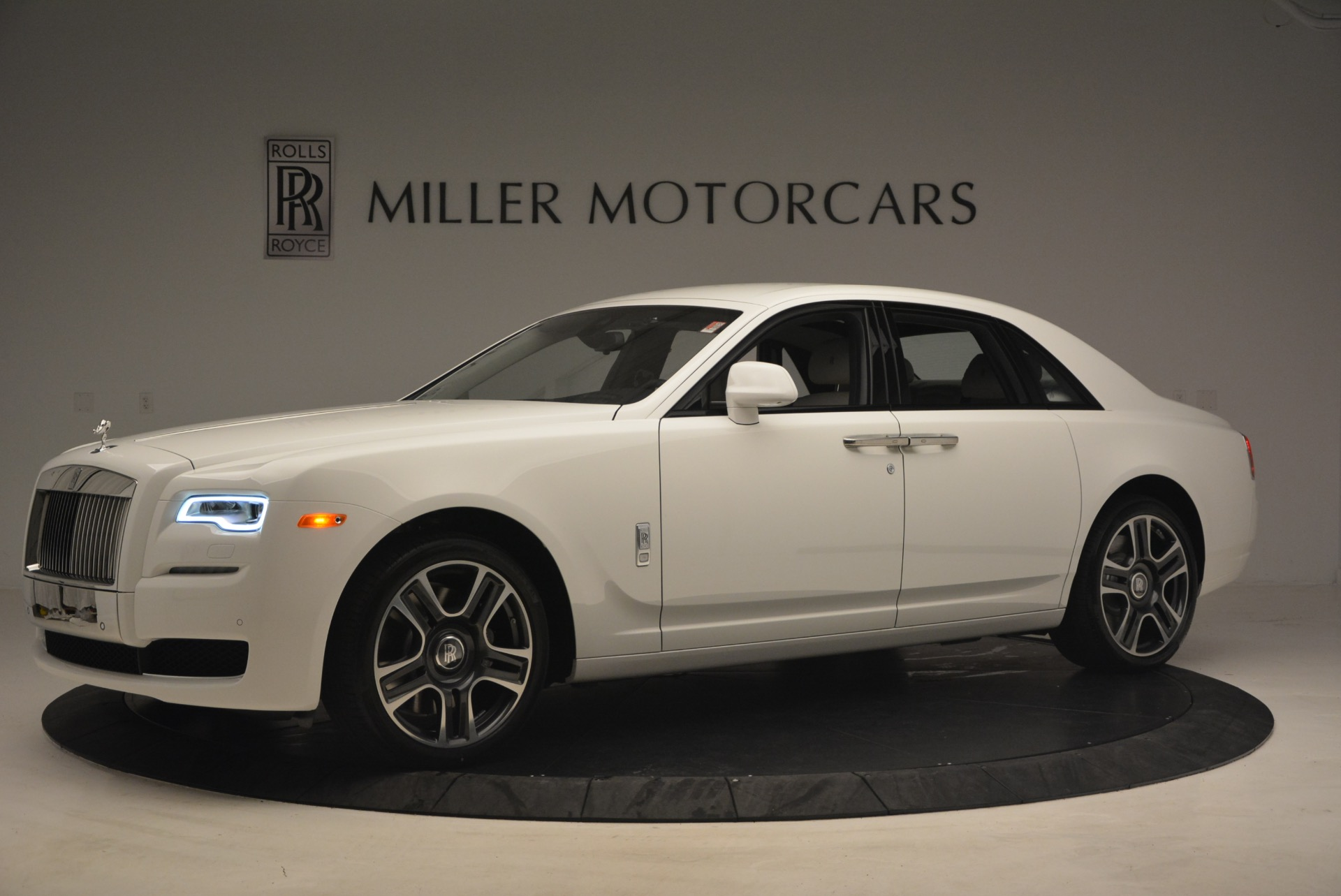 Used 2017 Rolls-Royce Ghost  For Sale In Westport, CT 971_p2