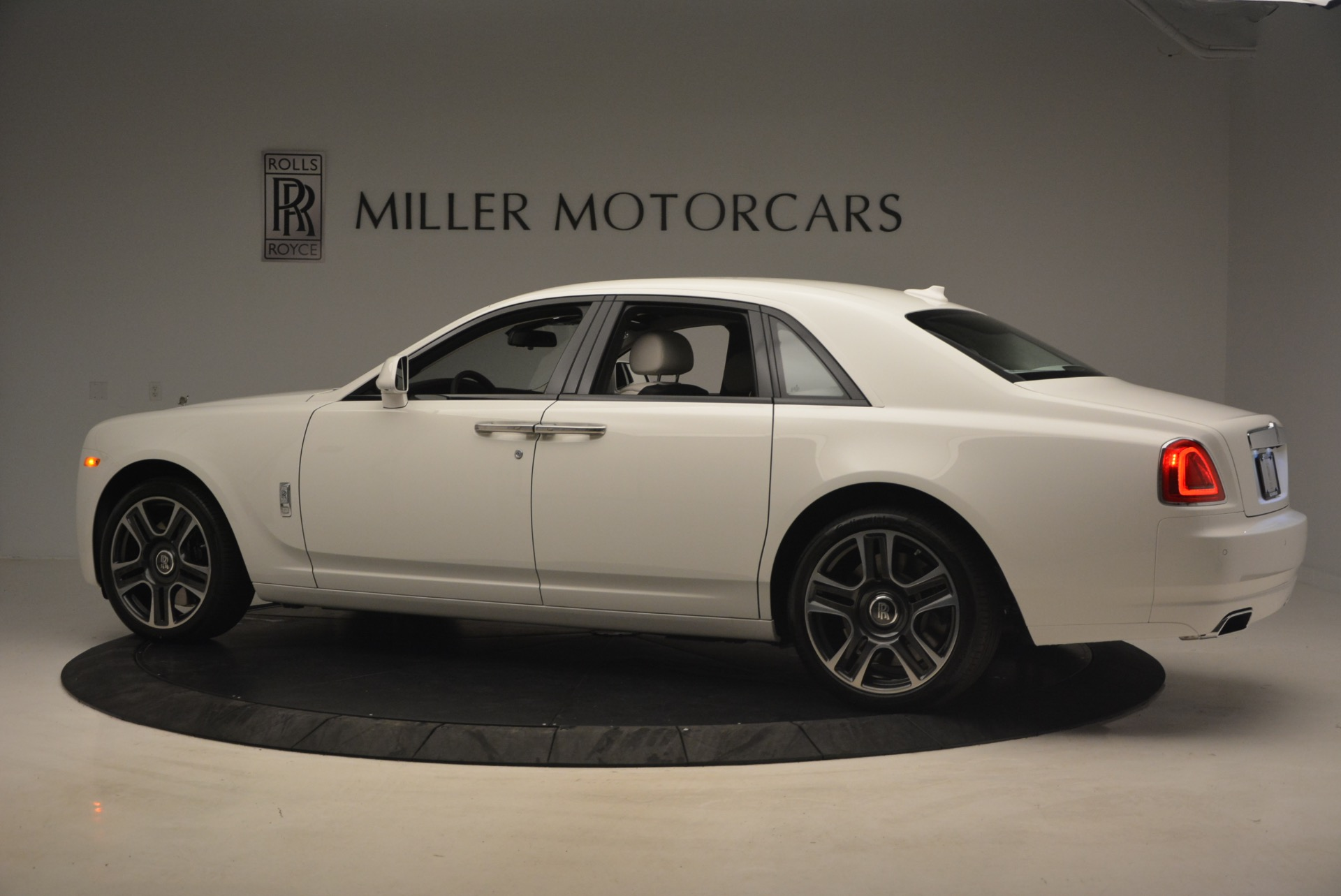 Used 2017 Rolls-Royce Ghost  For Sale In Westport, CT 971_p4