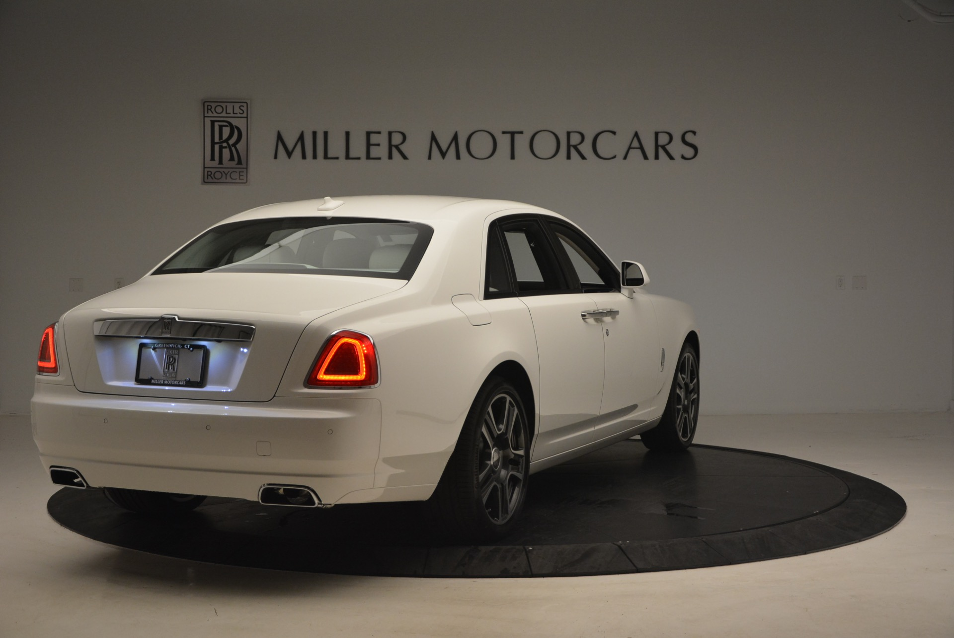 Used 2017 Rolls-Royce Ghost  For Sale In Westport, CT 971_p7
