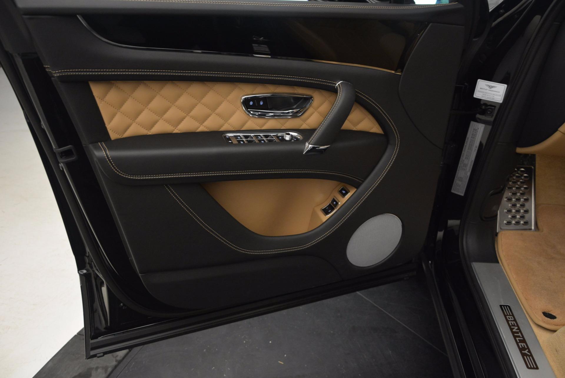 Used 2017 Bentley Bentayga  For Sale In Westport, CT 989_p21