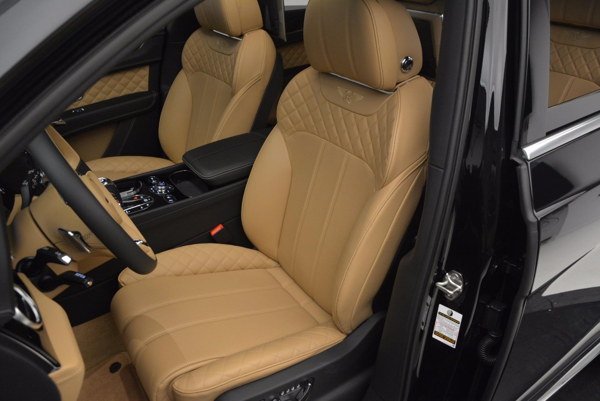 Used 2017 Bentley Bentayga  For Sale In Westport, CT 989_p22