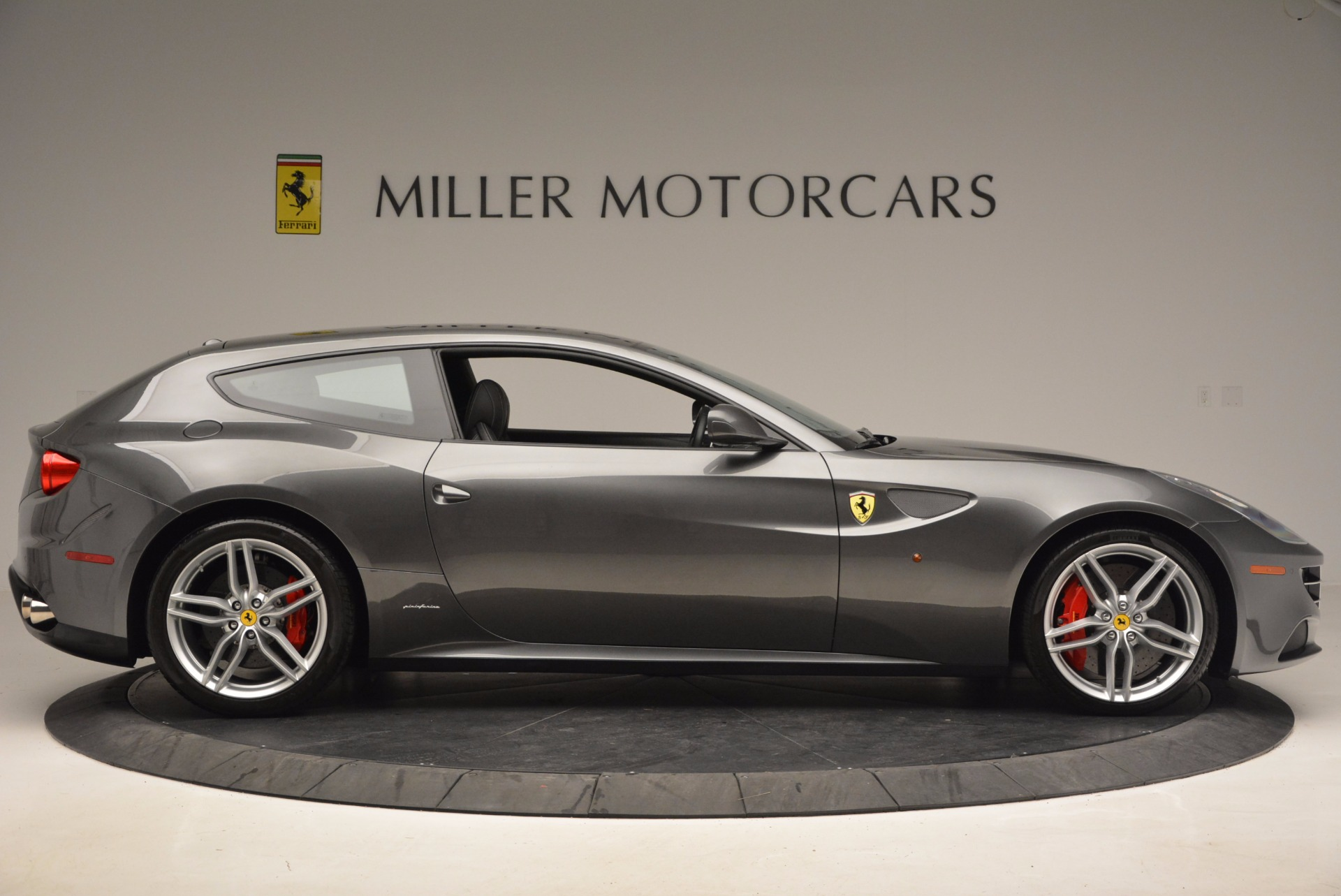 Used 2014 Ferrari FF  For Sale In Westport, CT 995_p9