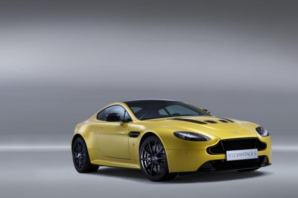 New 2017 Aston Martin V12 Vantage S for sale Sold at Maserati of Westport in Westport CT 06880 3
