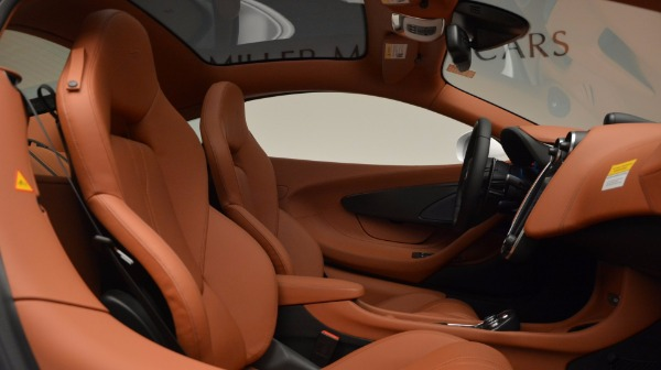 Used 2017 McLaren 570GT for sale Sold at Maserati of Westport in Westport CT 06880 20