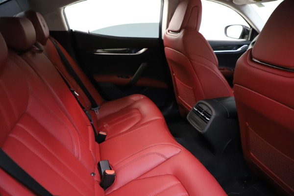 Used 2017 Maserati Ghibli S Q4 for sale Sold at Maserati of Westport in Westport CT 06880 25