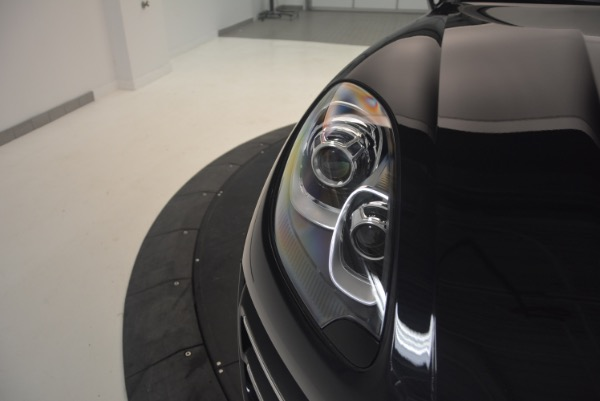 Used 2016 Porsche Macan Turbo for sale Sold at Maserati of Westport in Westport CT 06880 13