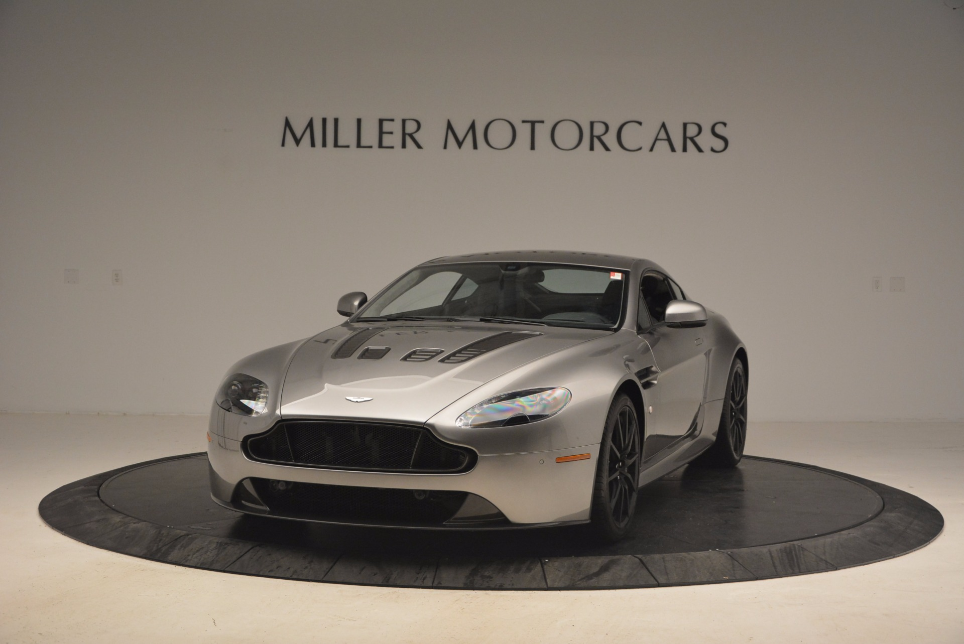 Used 2017 Aston Martin V12 Vantage S for sale Sold at Maserati of Westport in Westport CT 06880 1