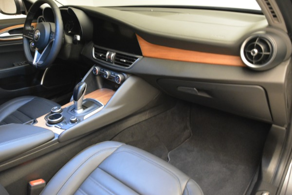 New 2017 Alfa Romeo Giulia Ti Lusso Q4 for sale Sold at Maserati of Westport in Westport CT 06880 19