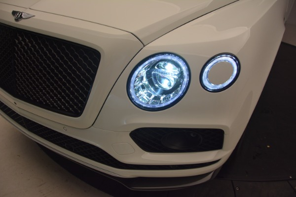 Used 2018 Bentley Bentayga Black Edition for sale Sold at Maserati of Westport in Westport CT 06880 17