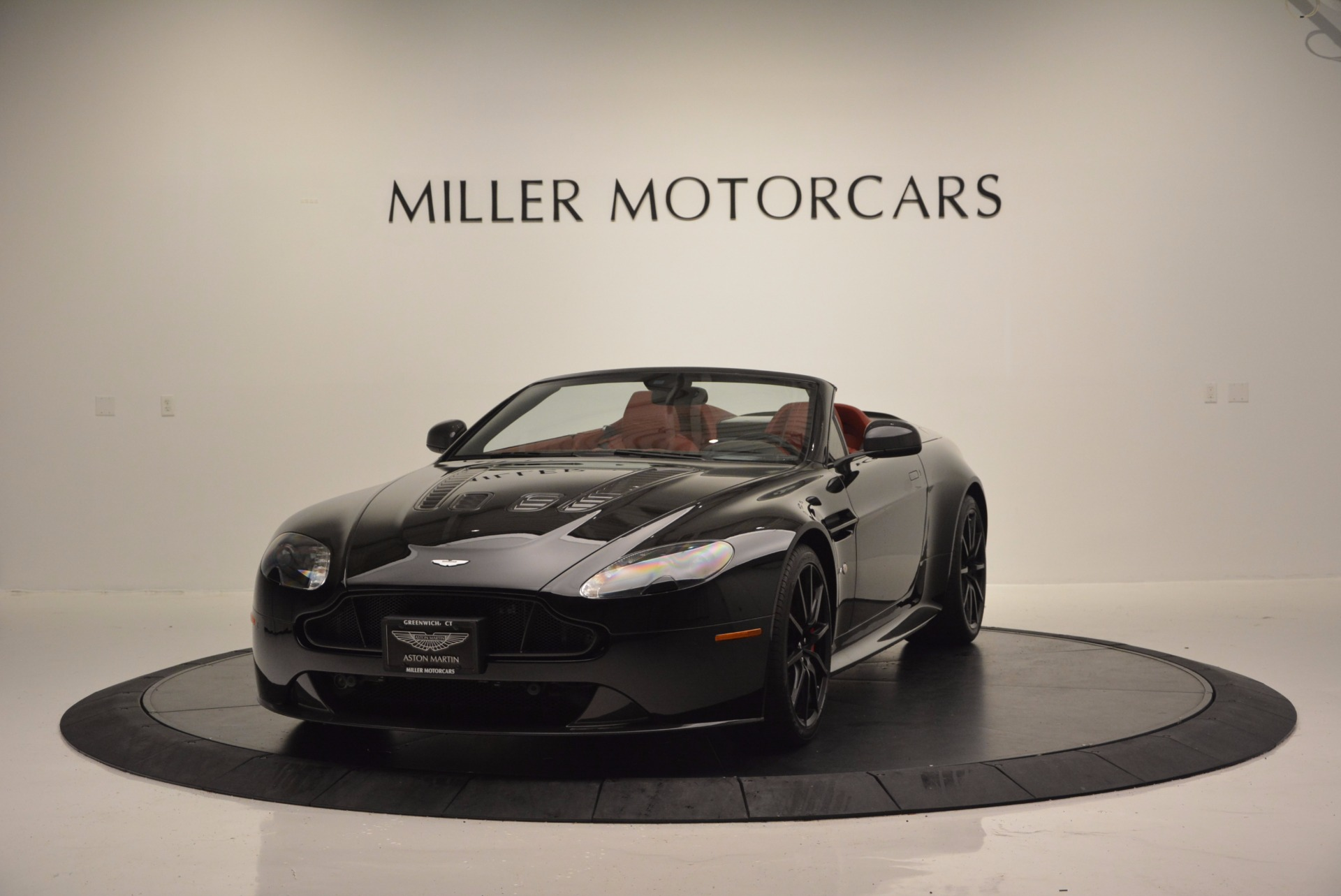 Used 2015 Aston Martin V12 Vantage S Roadster for sale Sold at Maserati of Westport in Westport CT 06880 1