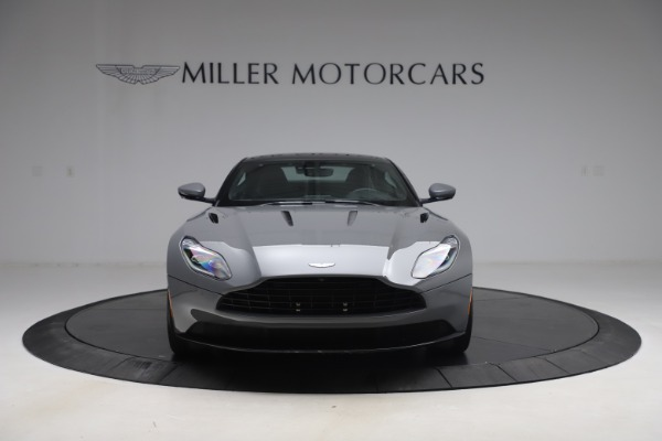 Used 2017 Aston Martin DB11 V12 for sale $149,900 at Maserati of Westport in Westport CT 06880 11