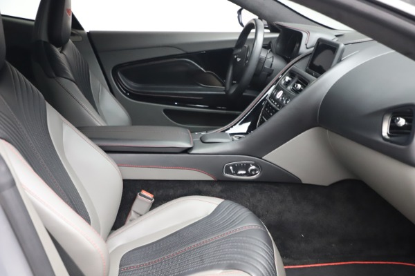 Used 2017 Aston Martin DB11 V12 for sale $149,900 at Maserati of Westport in Westport CT 06880 19