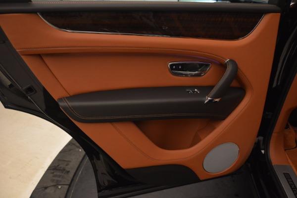 Used 2018 Bentley Bentayga Onyx Edition for sale $149,900 at Maserati of Westport in Westport CT 06880 28